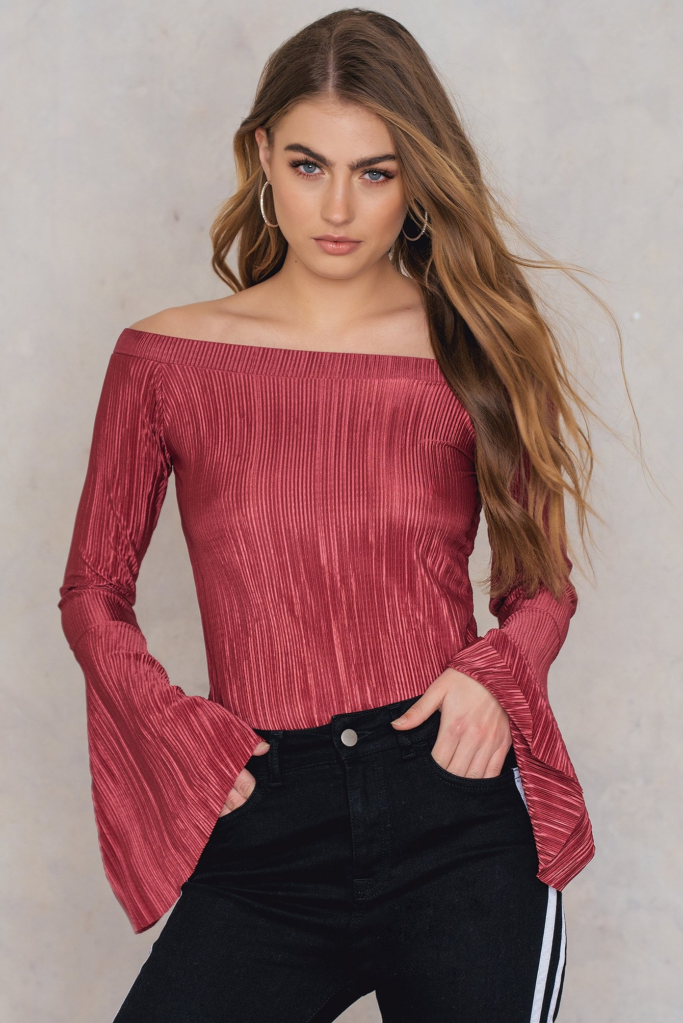NA-KD Trend Pleated Off Shoulder Top Red