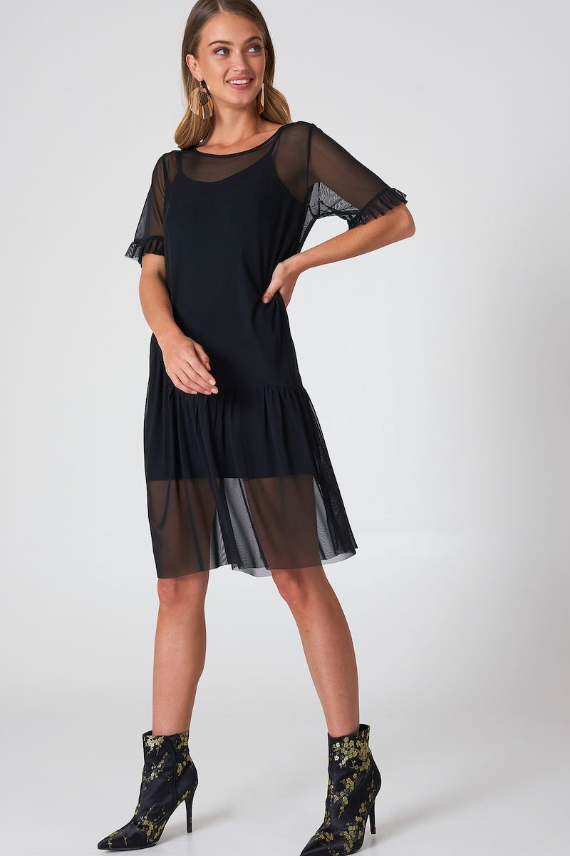 Qontrast X NA-KD Mesh Frill Sleeve Dress Black