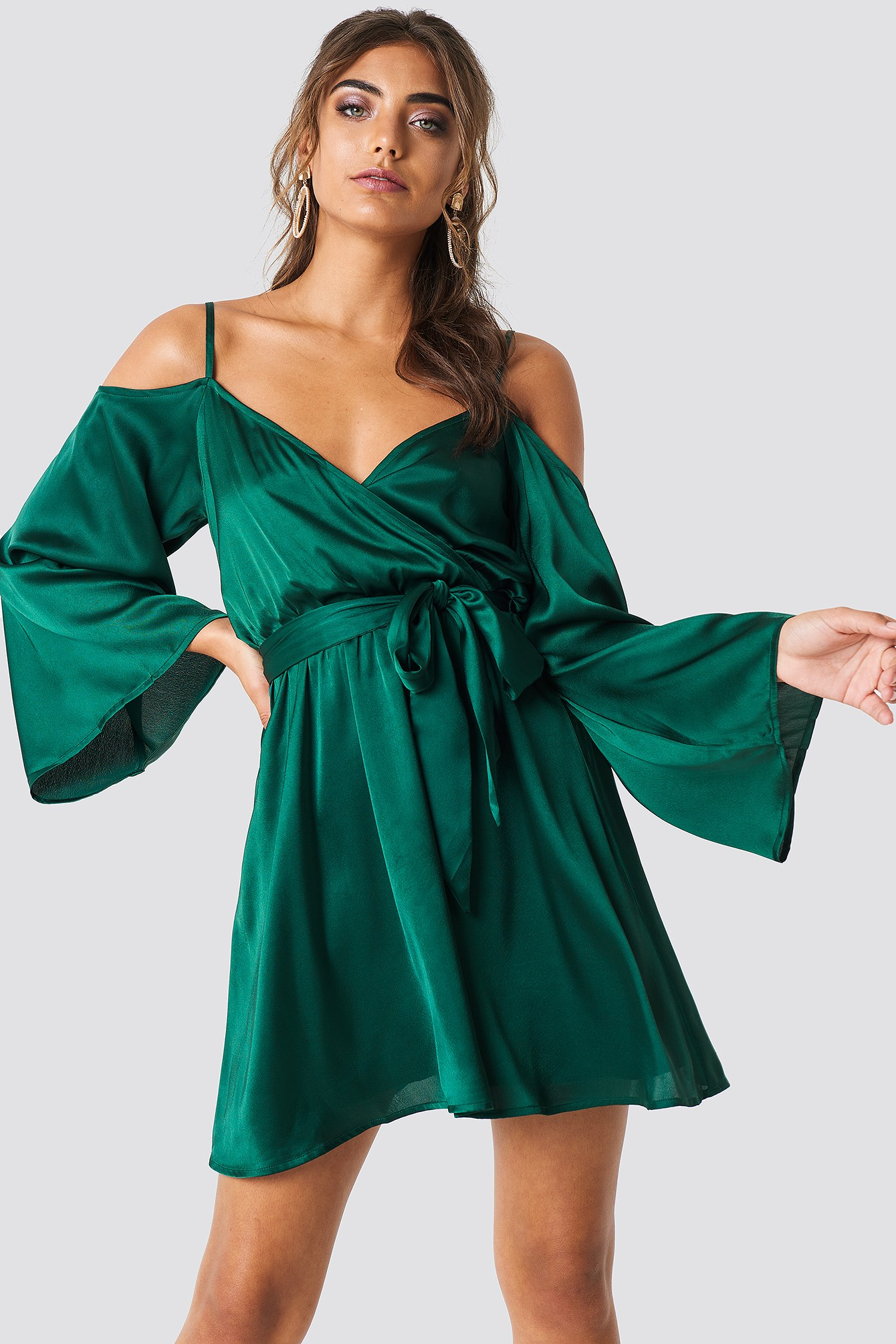 Cold Shoulder Satin Short Dress NA-KD.COM