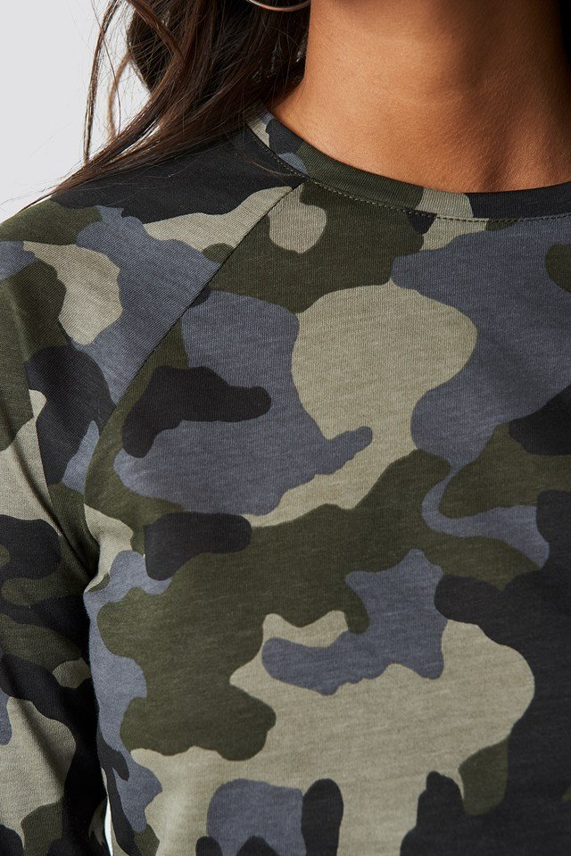 Long Sleeve Cropped Tee Camo