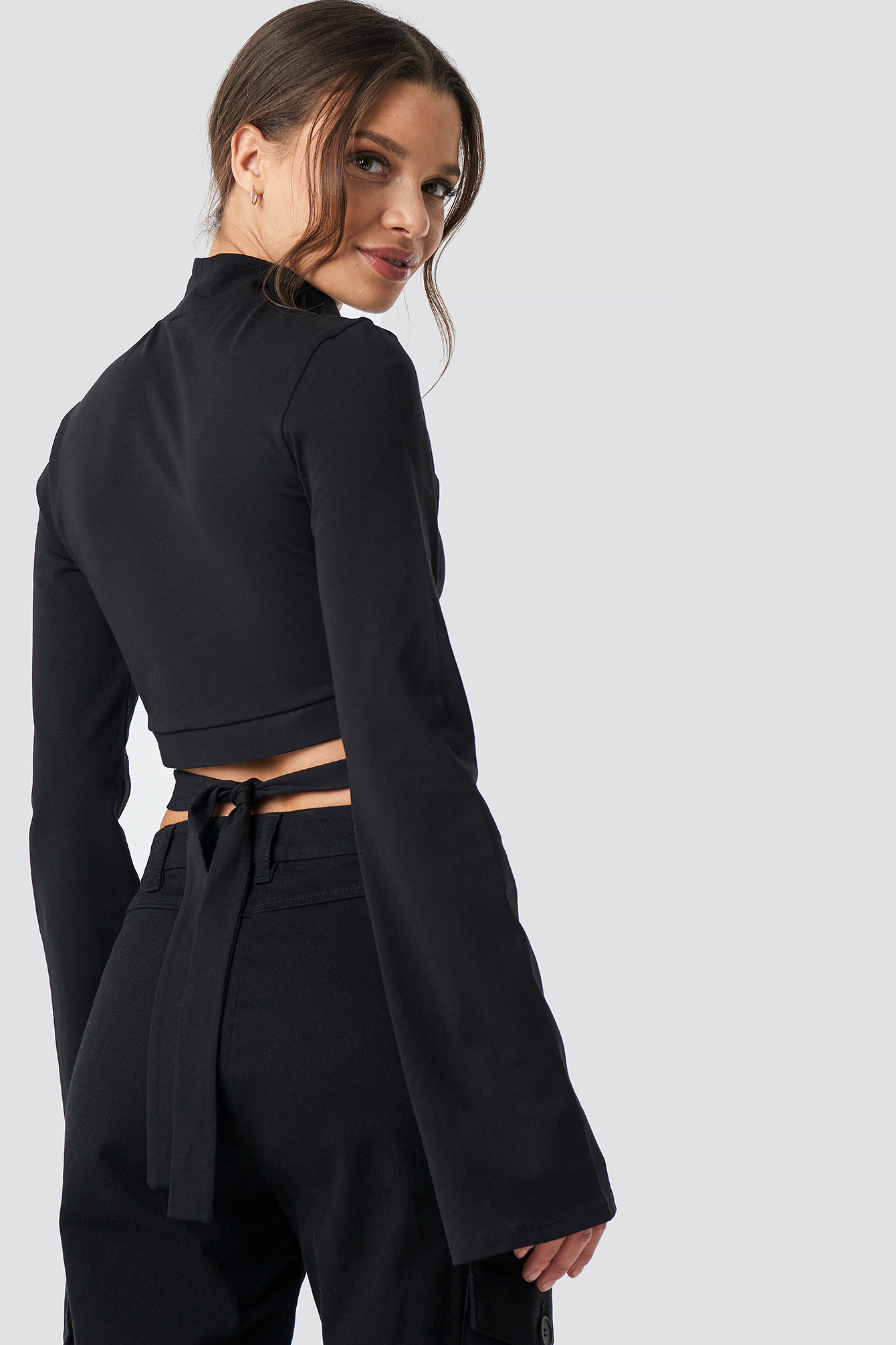 Waist Strap Long Sleeve Crop NA-KD.COM