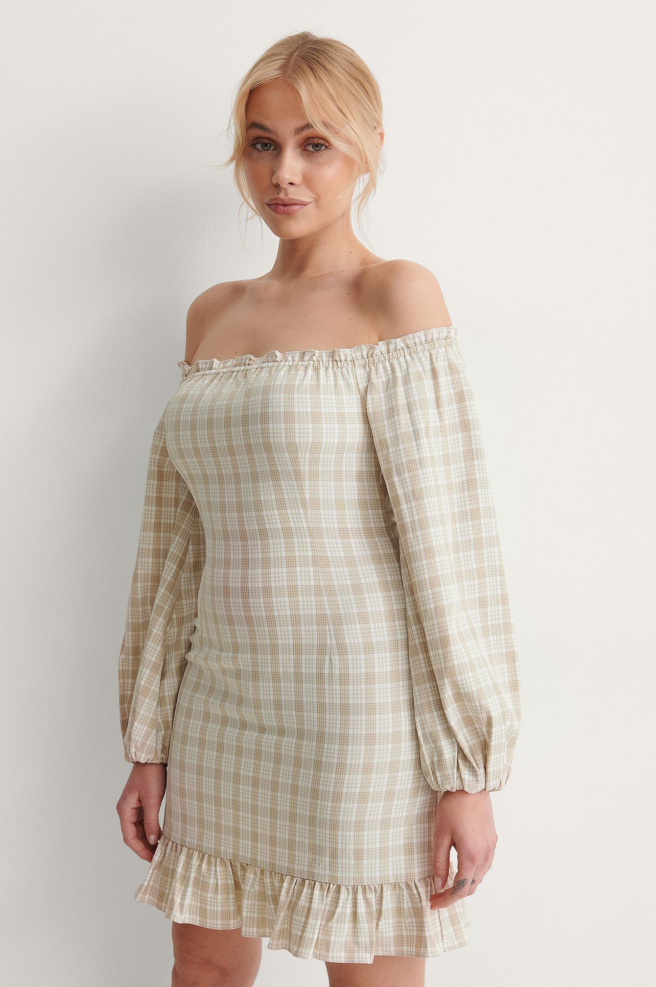 jasmin azizam x na-kd -  Schulterfreies Kleid Mit Ballonärmeln - Beige