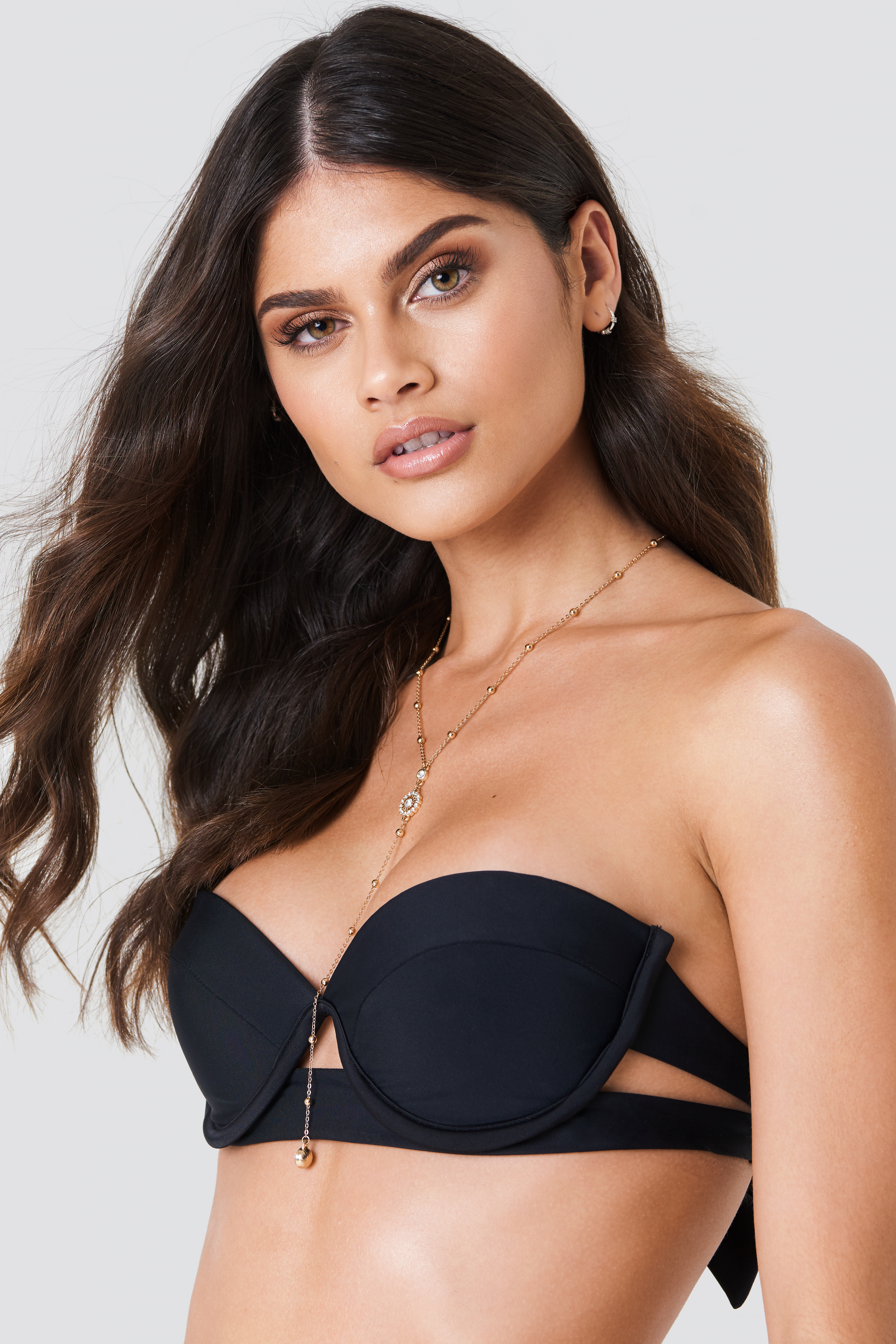 J & K Swim X NA-KD Side Cut Bikini Top - Black