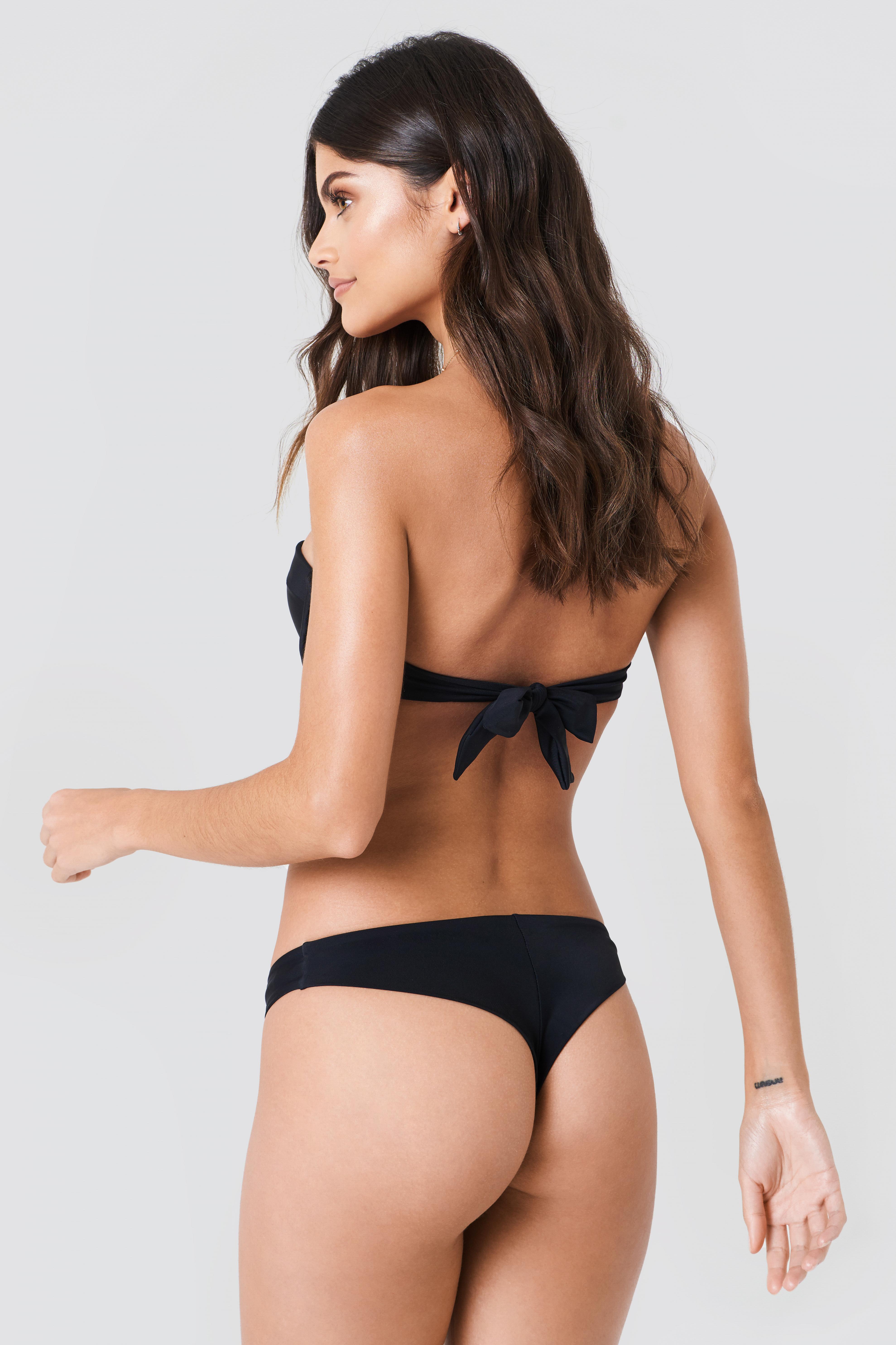 Góra bikini z wycięciami NA-KD.COM
