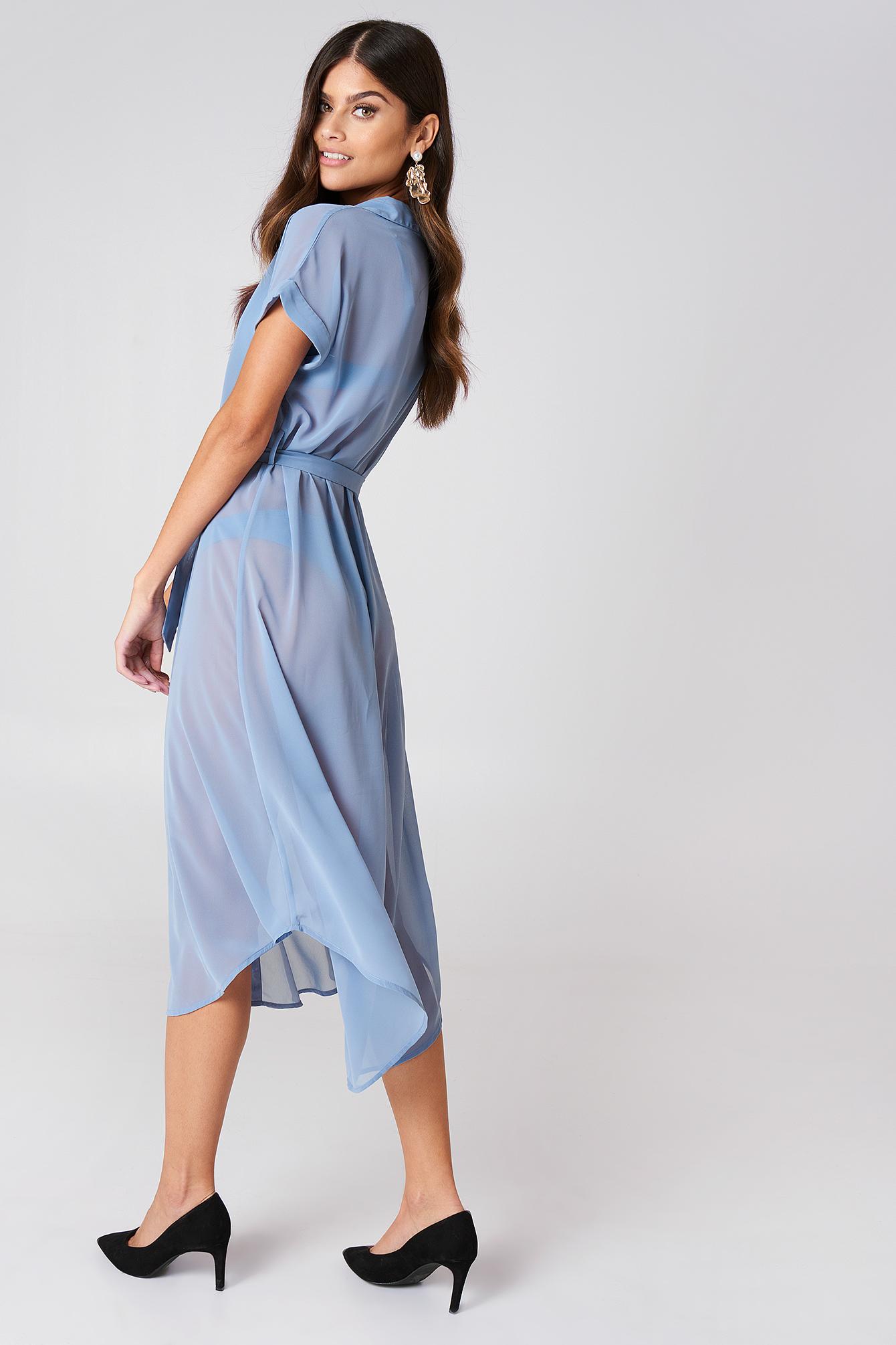 Sukienka koszulowa z wiązaniem w talii NA-KD.COM