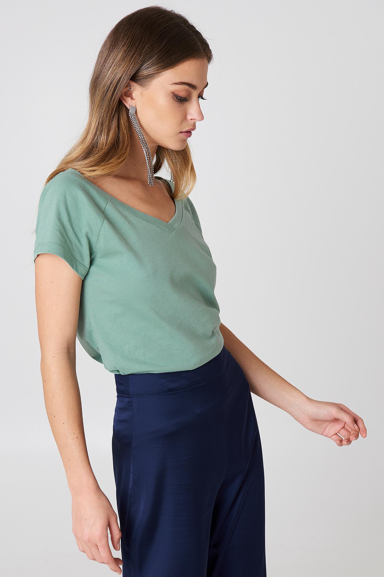 T-shirt z odkrytymi ramionami NA-KD.COM