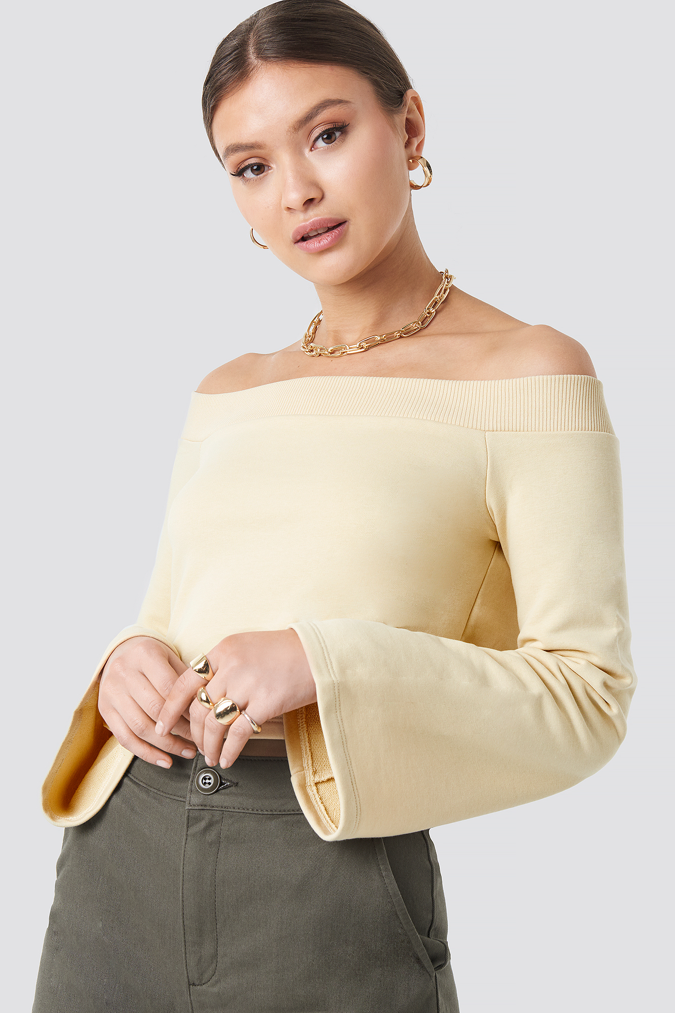 josefine simone x na-kd -  Off Shoulder Cropped Sweatshirt - Beige