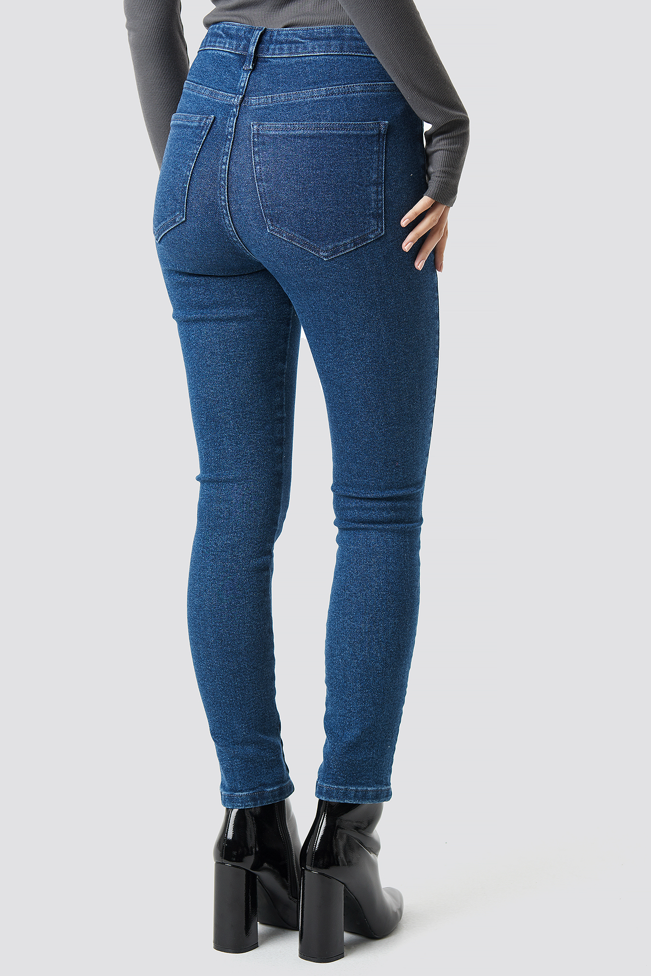 High Waist Slim Leg Denim NA-KD.COM