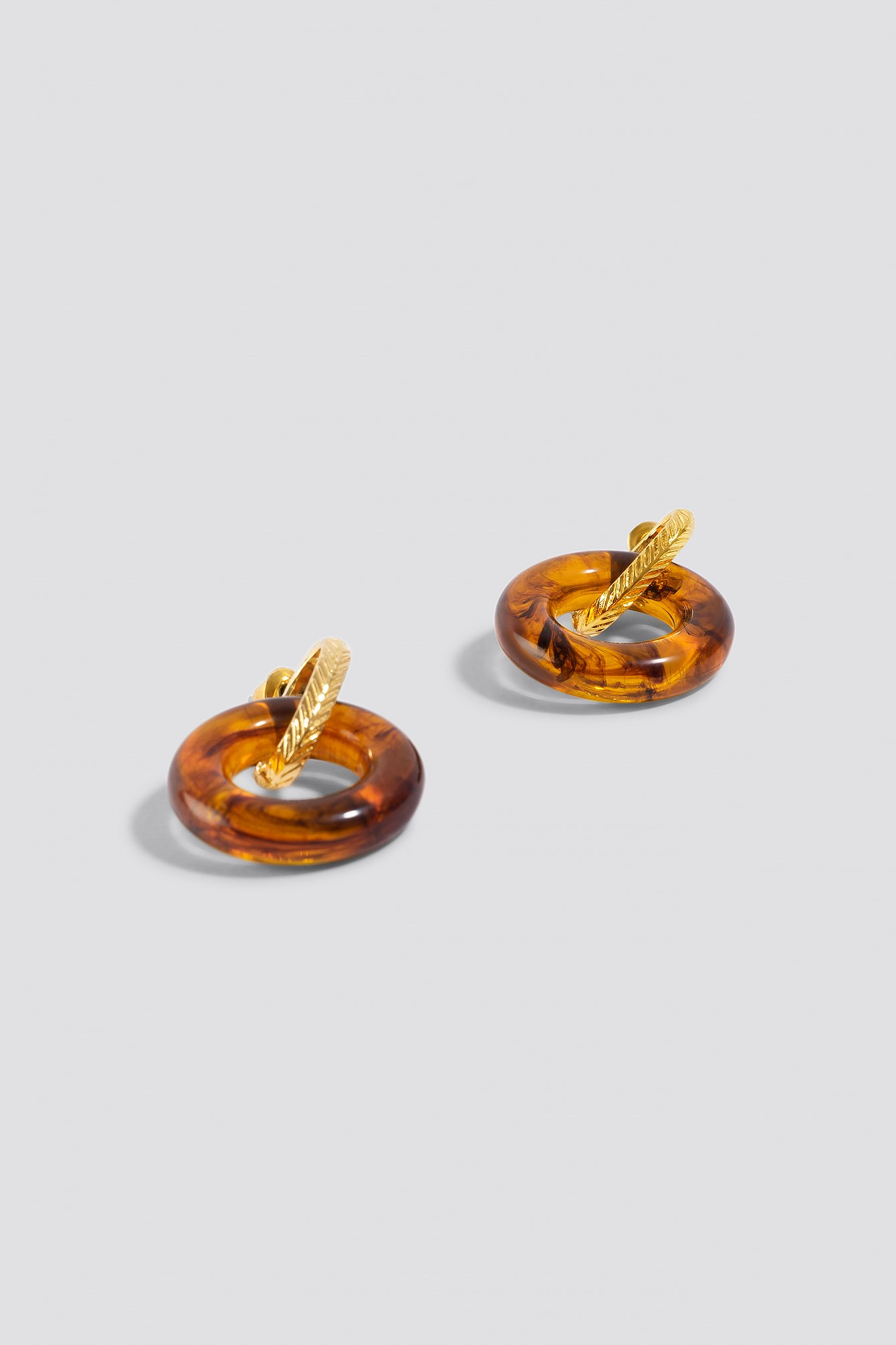 Chunky Hanging Resin Earrings NA-KD.COM