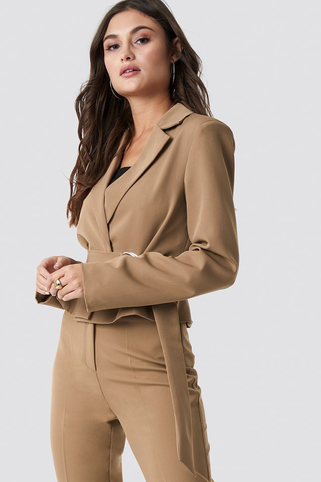 Shoulder Padded Short Blazer Brown