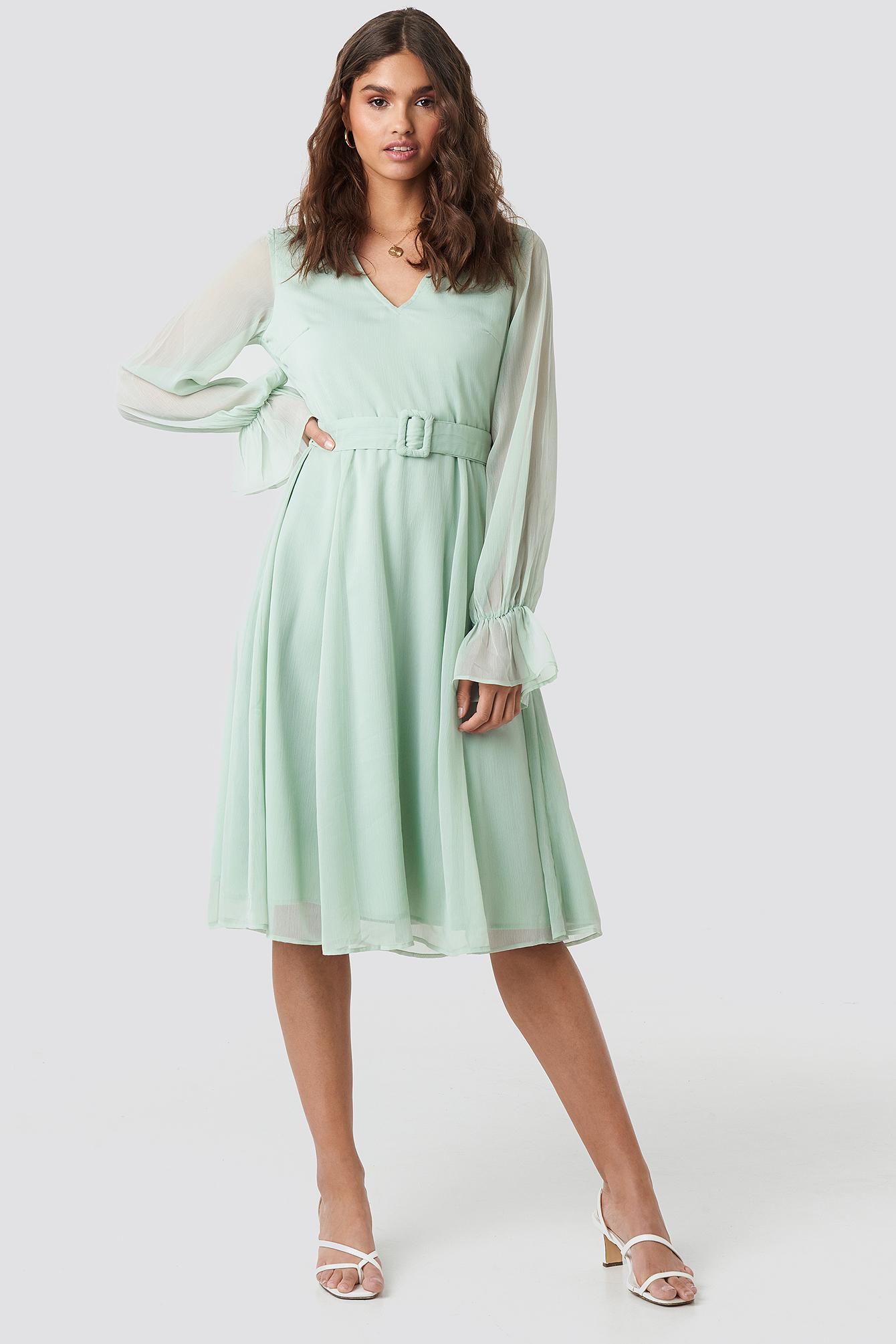 kae sutherland x na-kd -  Belted Balloon Sleeve Midi Dress - Green
