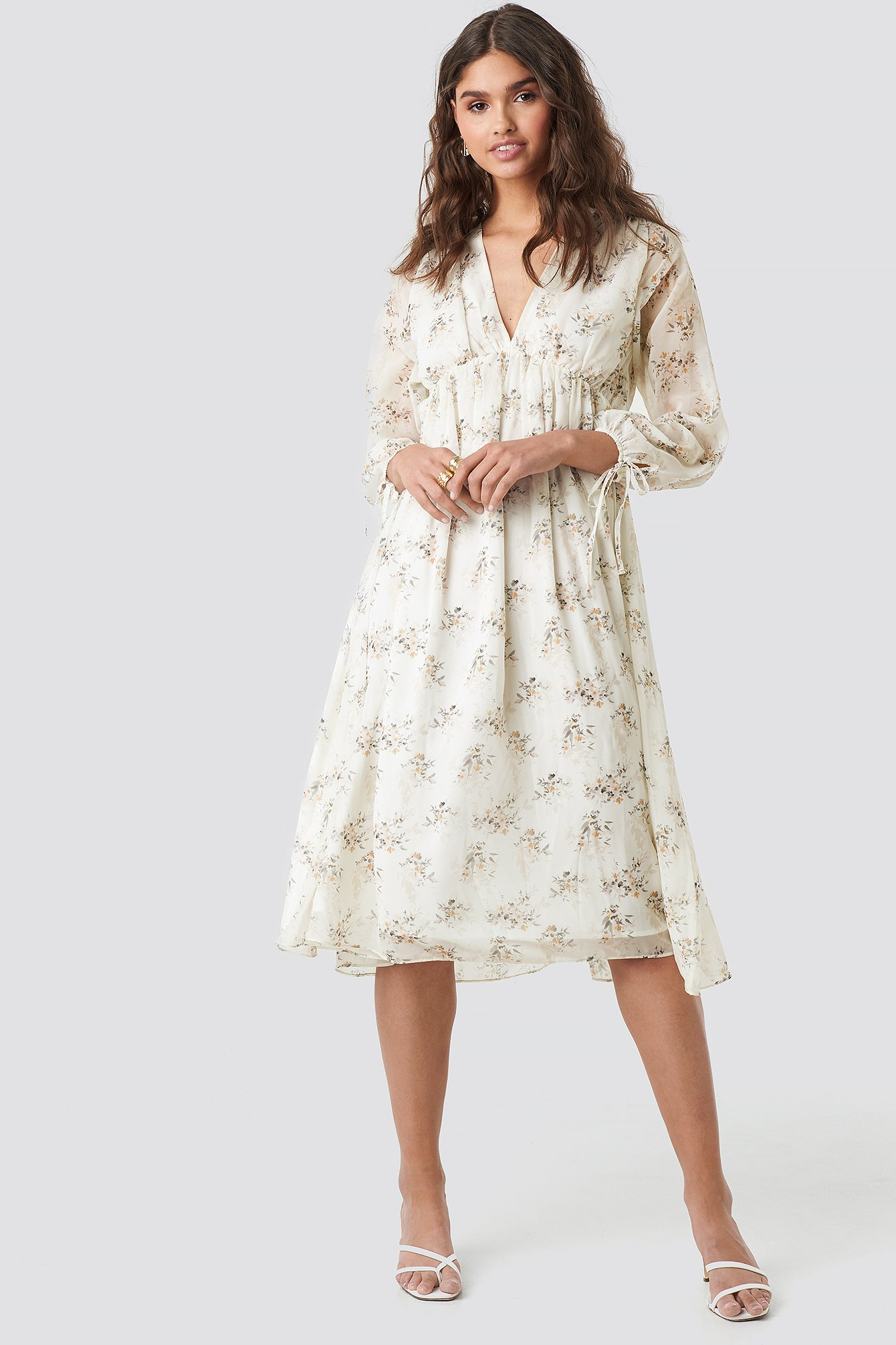 kae sutherland x na-kd -  Floral Deep V Neck Midi Dress - White