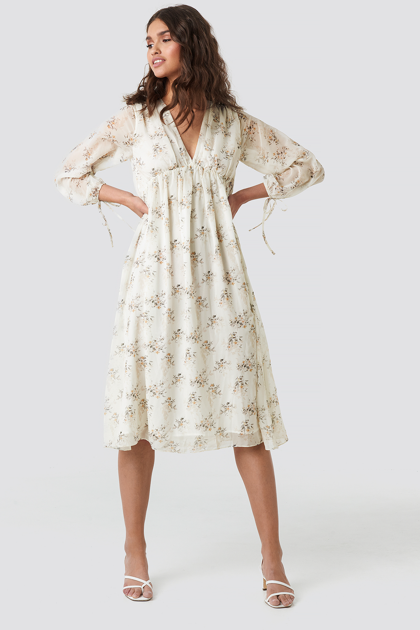 Floral Deep V Neck Midi Dress NA-KD.COM