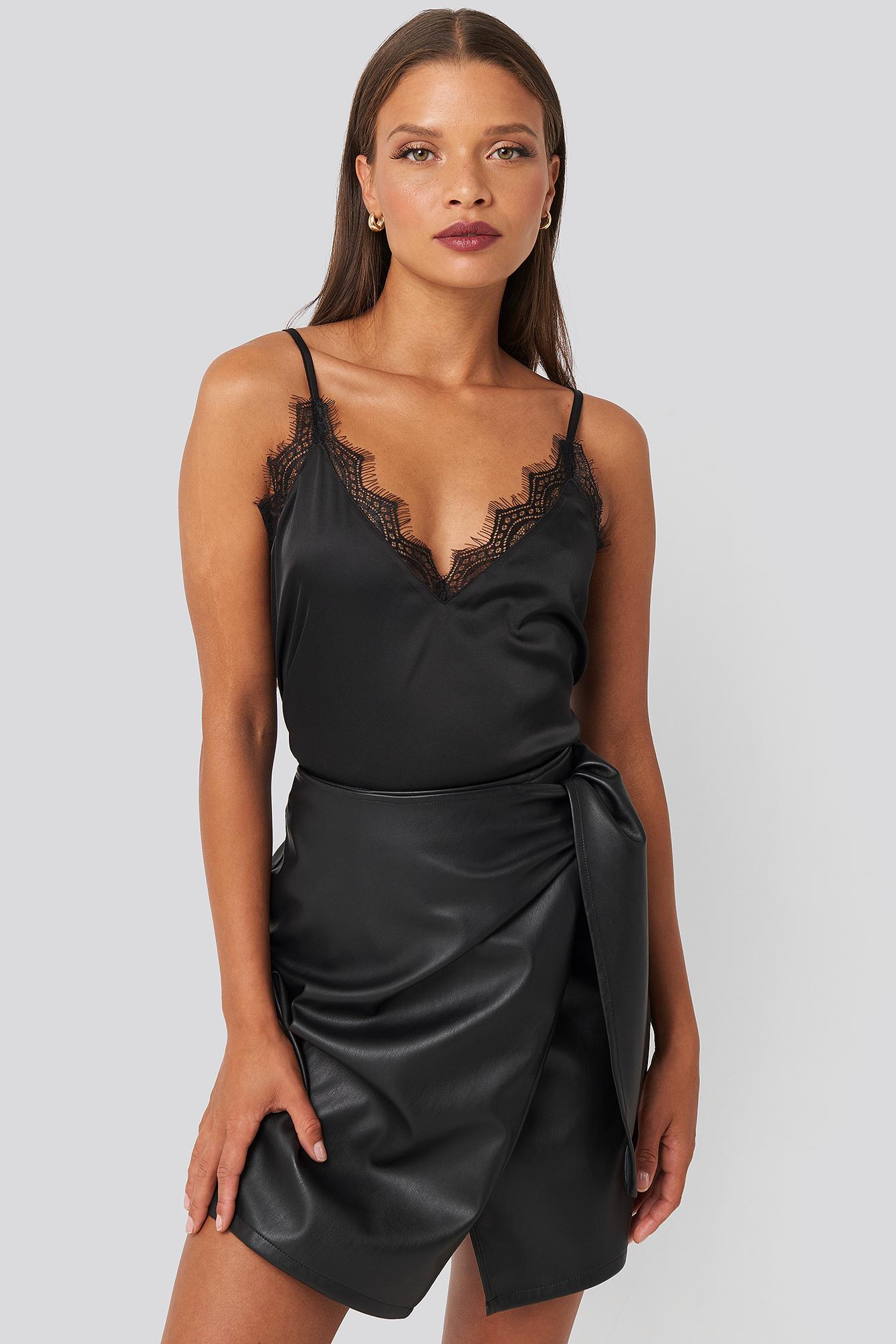 karo kauer x na-kd -  Tied Waist PU Skirt - Black