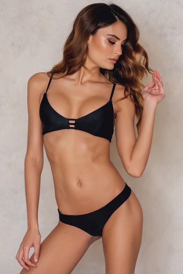 KS 3 Strap Triangle Bikini Top NA-KD.COM