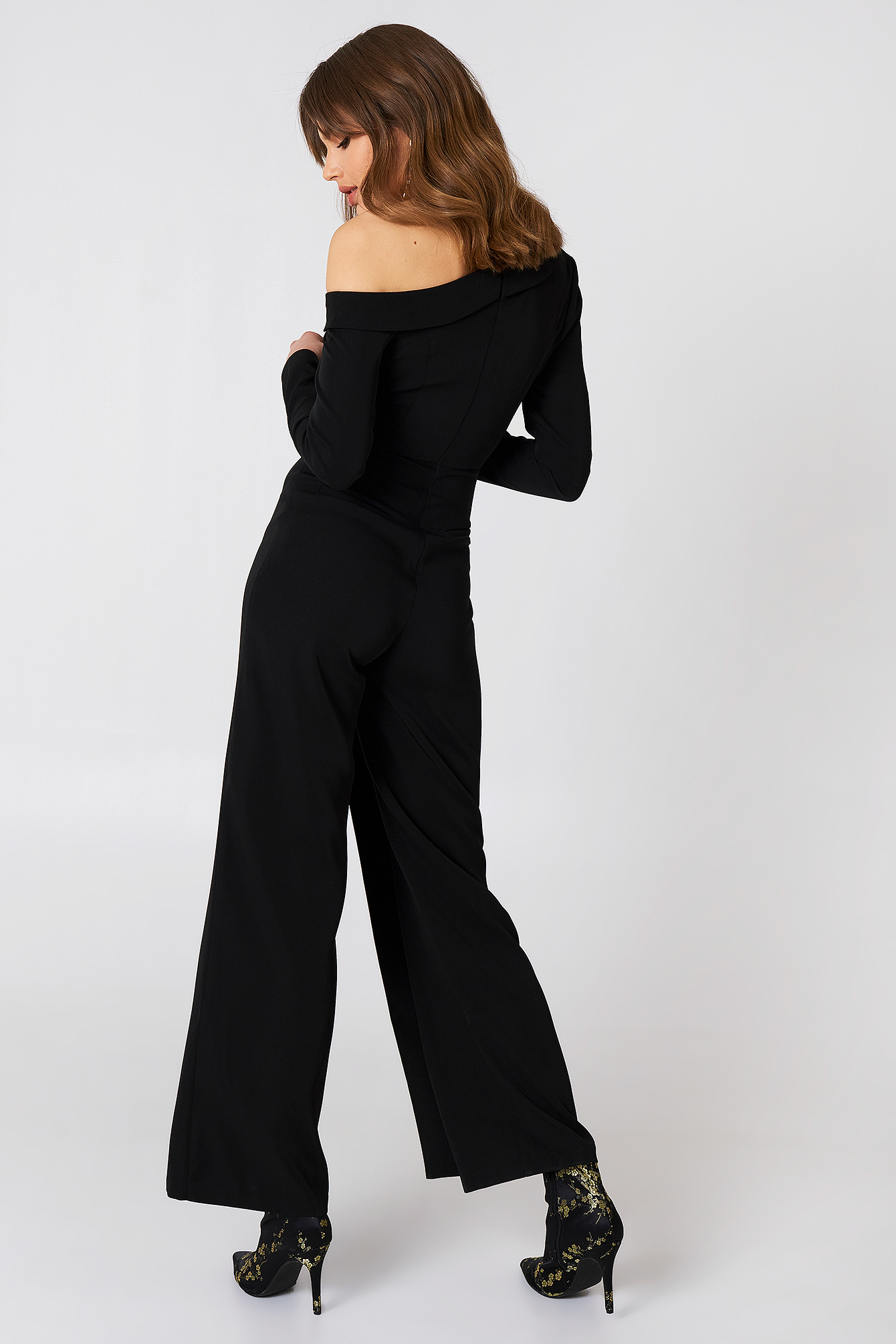 Cold Shoulder Jumpsuit NA-KD.COM