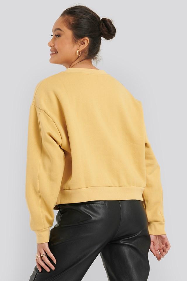 Graphic Diana Crew 90s Sweater Ochre