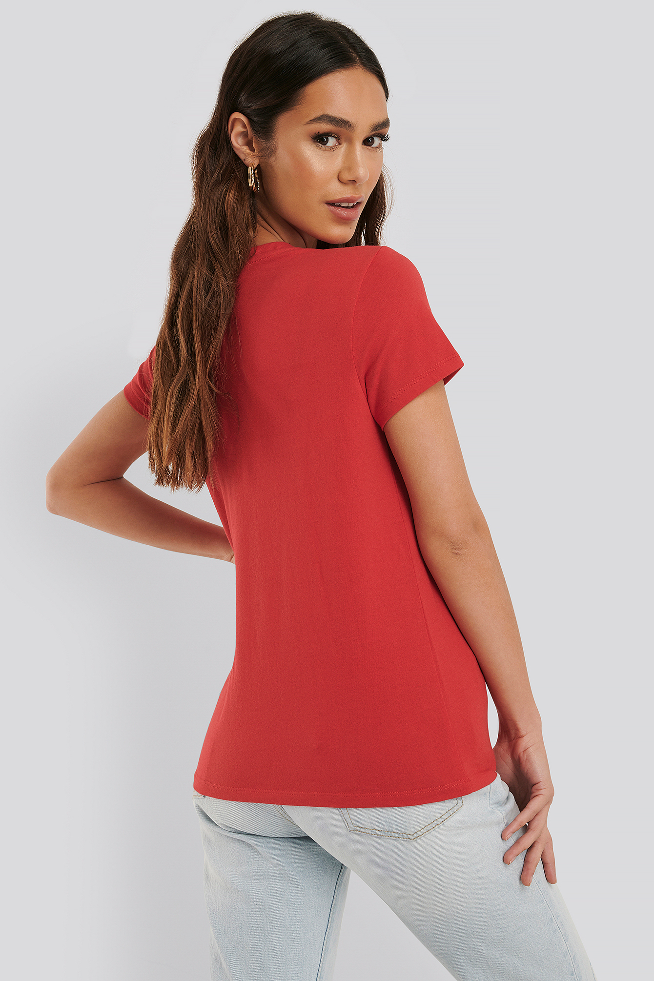 Outline Brilliant Red The Perfect Tee