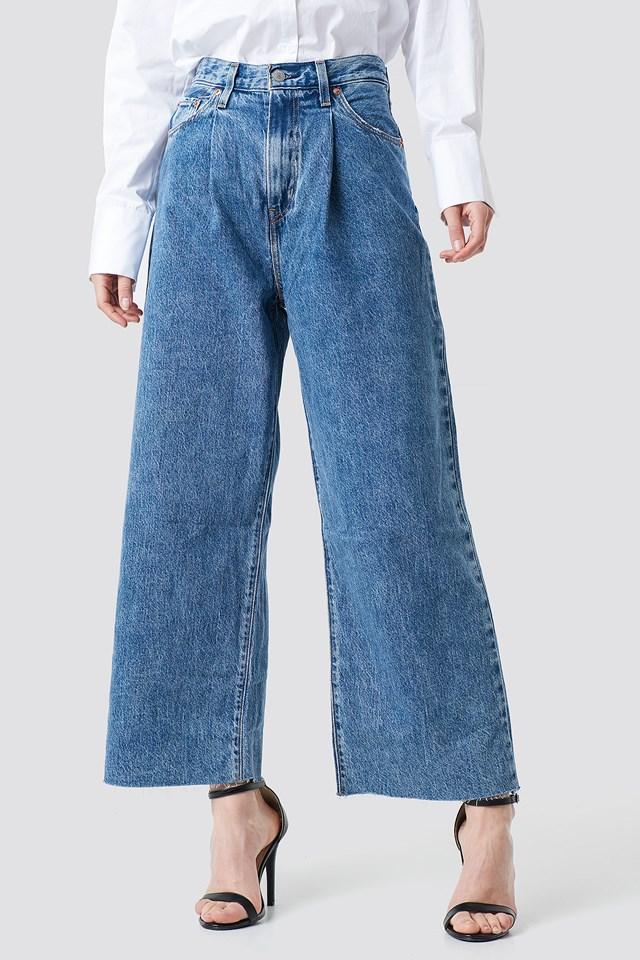 Ribcage Pleated Crop Jeans Med Indigo - Flat Finish