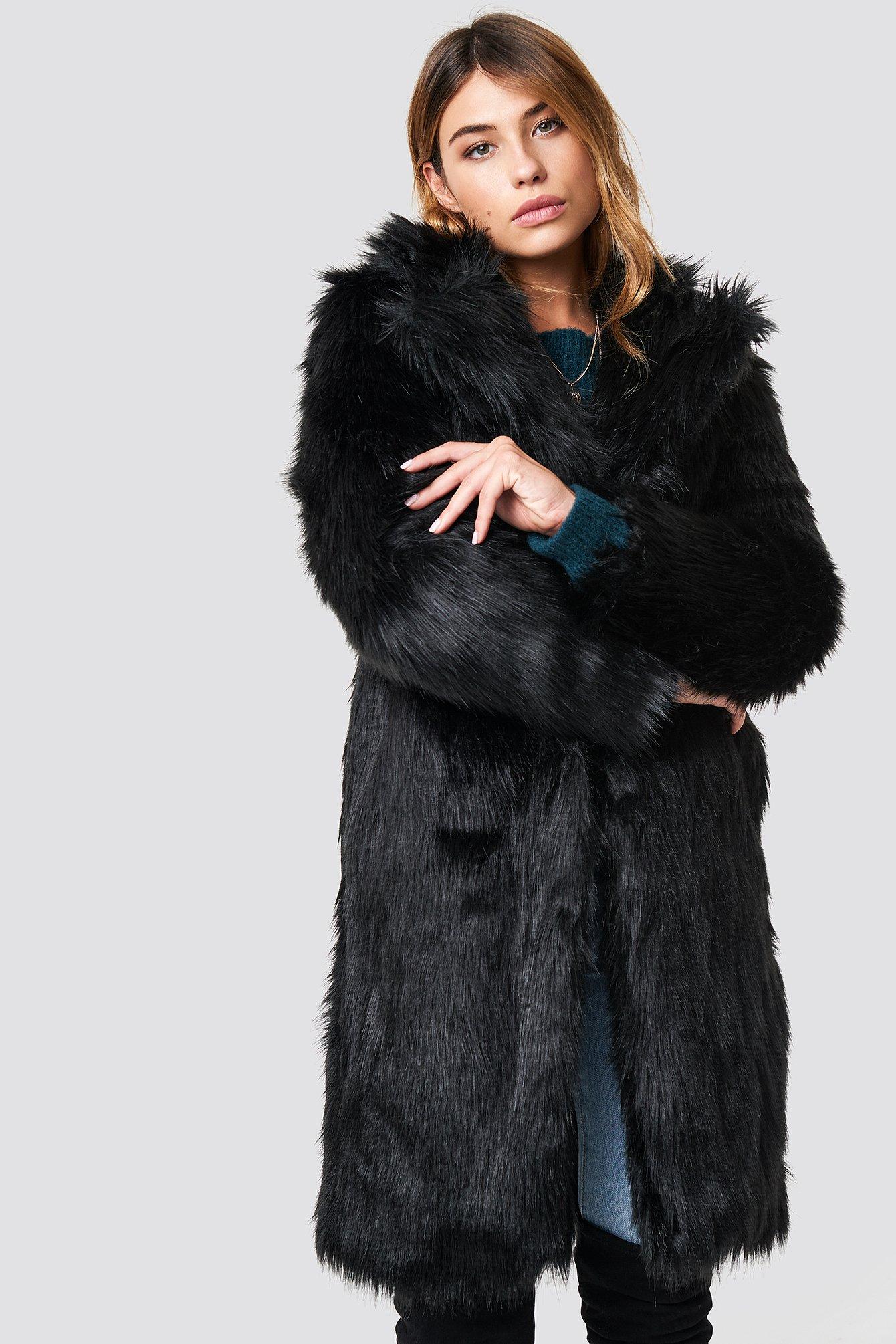 linn ahlborg x na-kd -  Long Faux Fur Coat - Black