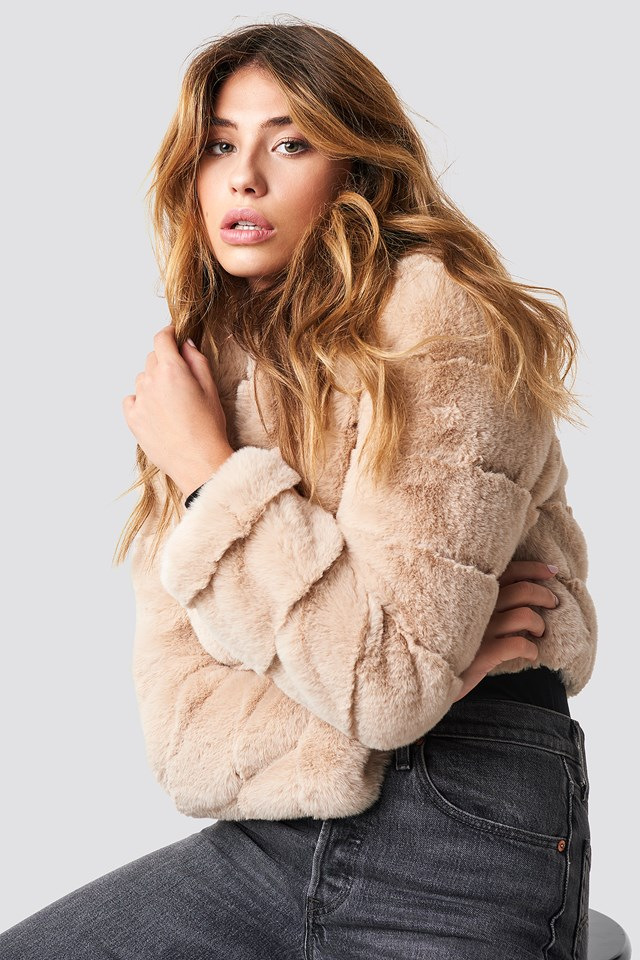 Short Puff Faux Fur Jacket Beige