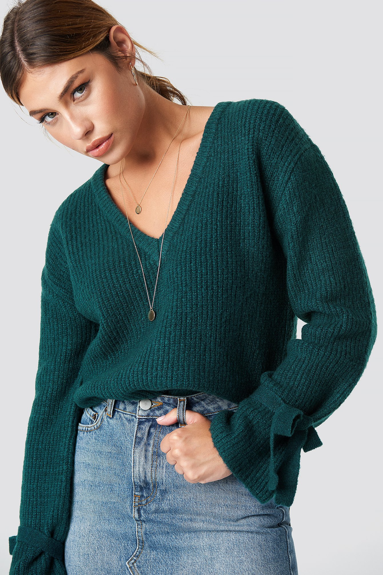 Sweter z wiązanymi rękawami NA-KD.COM
