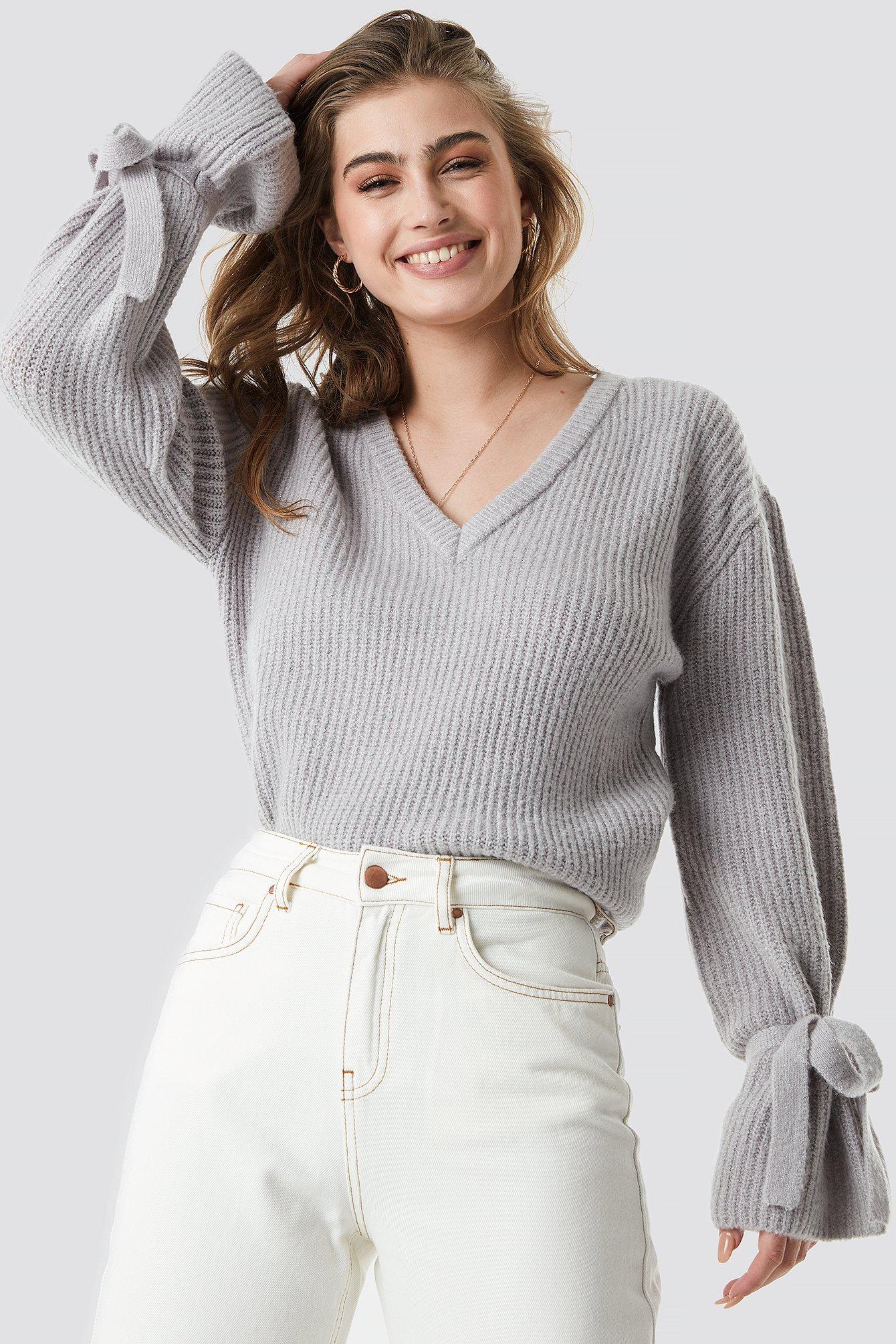 b9a21d0ef1 V-Neck Tie Sleeve Sweater Grey | na-kd.com