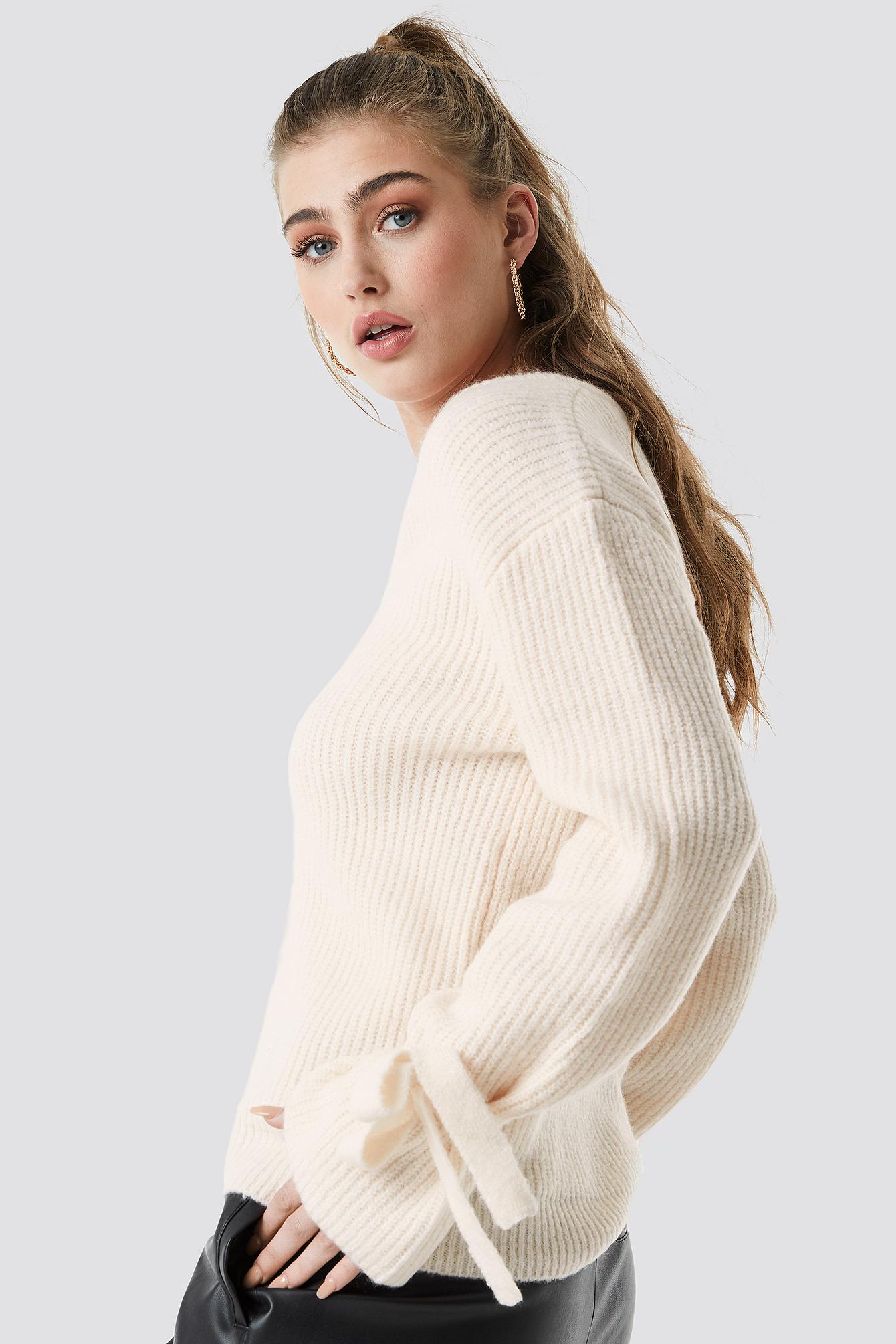 V-Neck Tie Sleeve Sweater NA-KD.COM