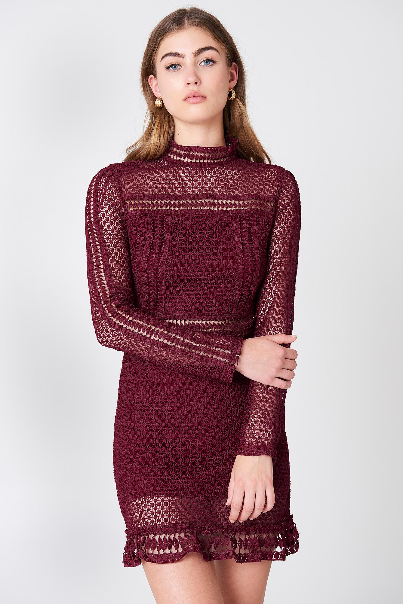 TIFFANY LACE DRESS - RED