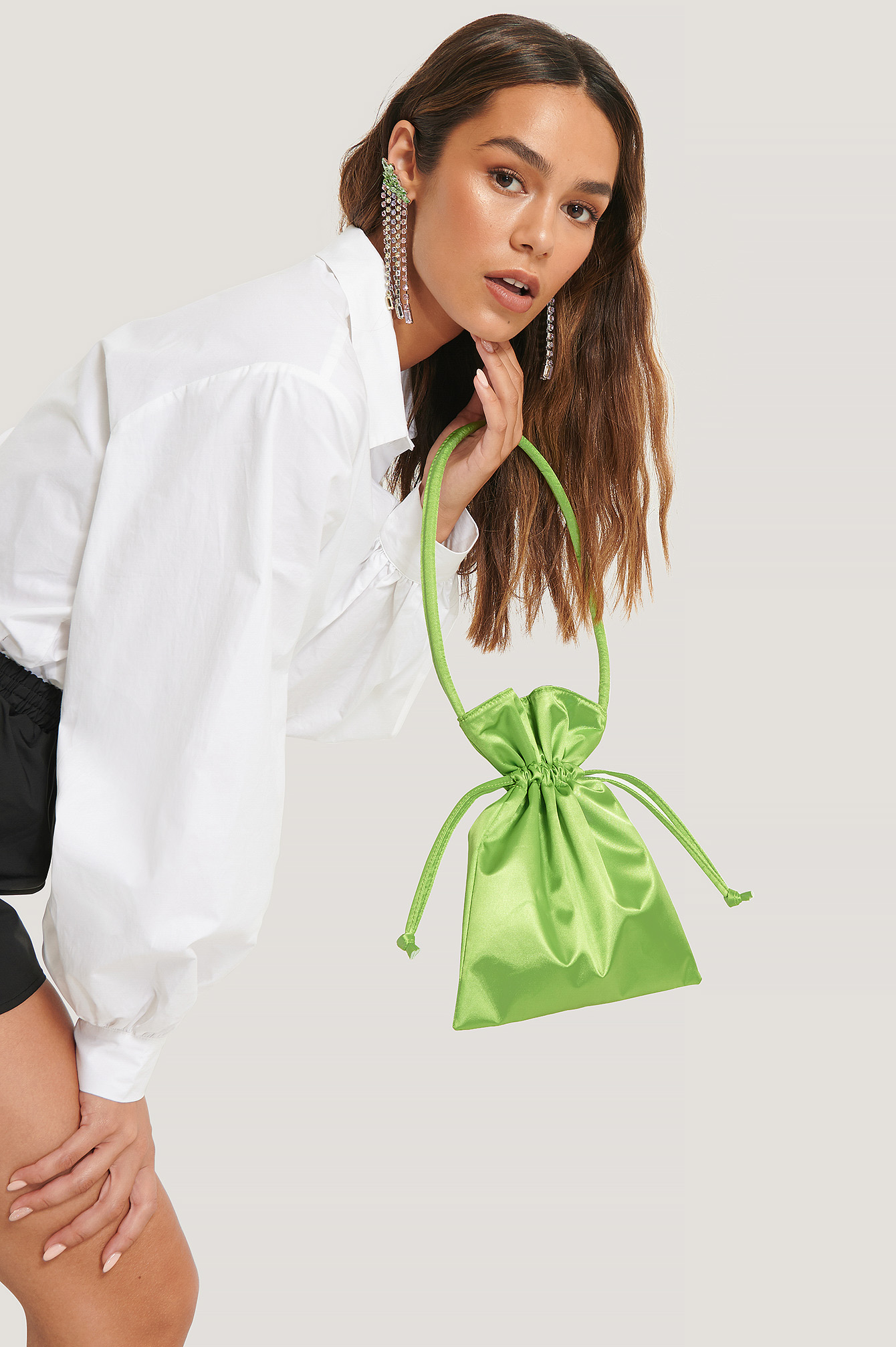Lizzy x NA-KD Satin Pouch Bag - Green