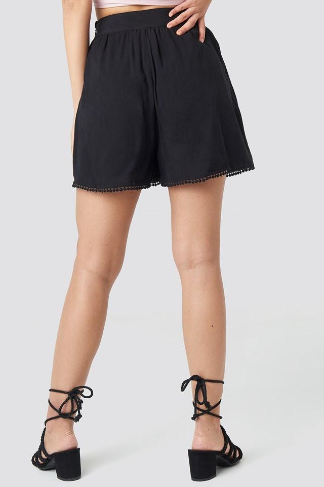 High Waist Pom Pom Shorts Black