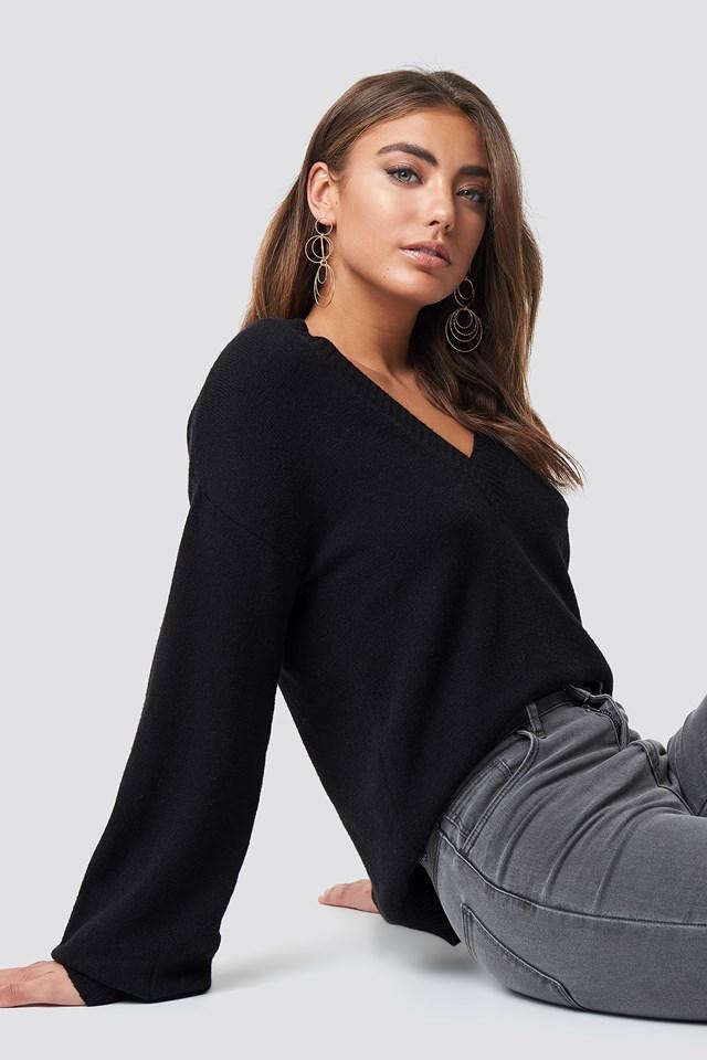 Deep V-neck Sweater Black