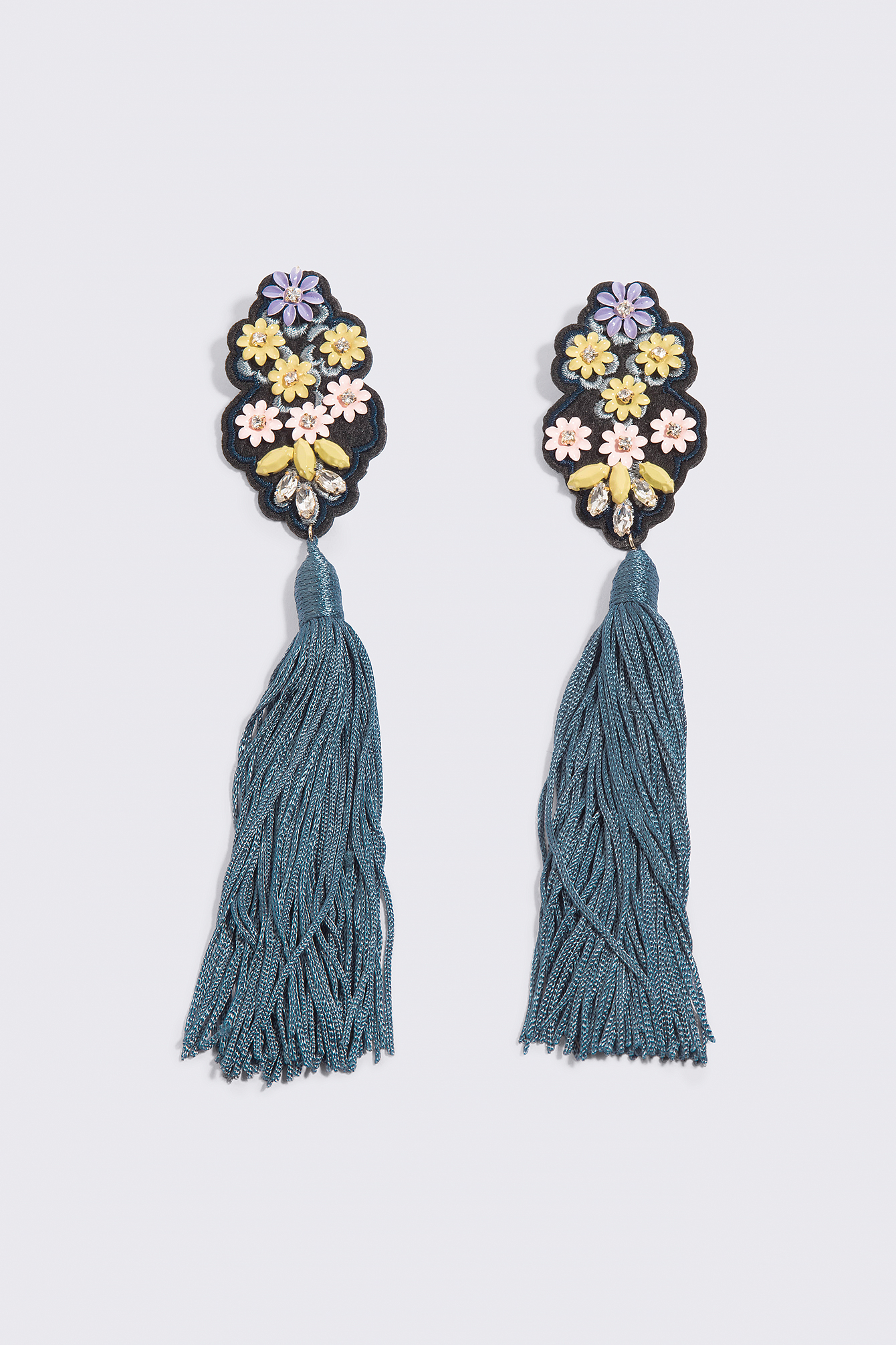Fringe Beads Earrings NA-KD.COM
