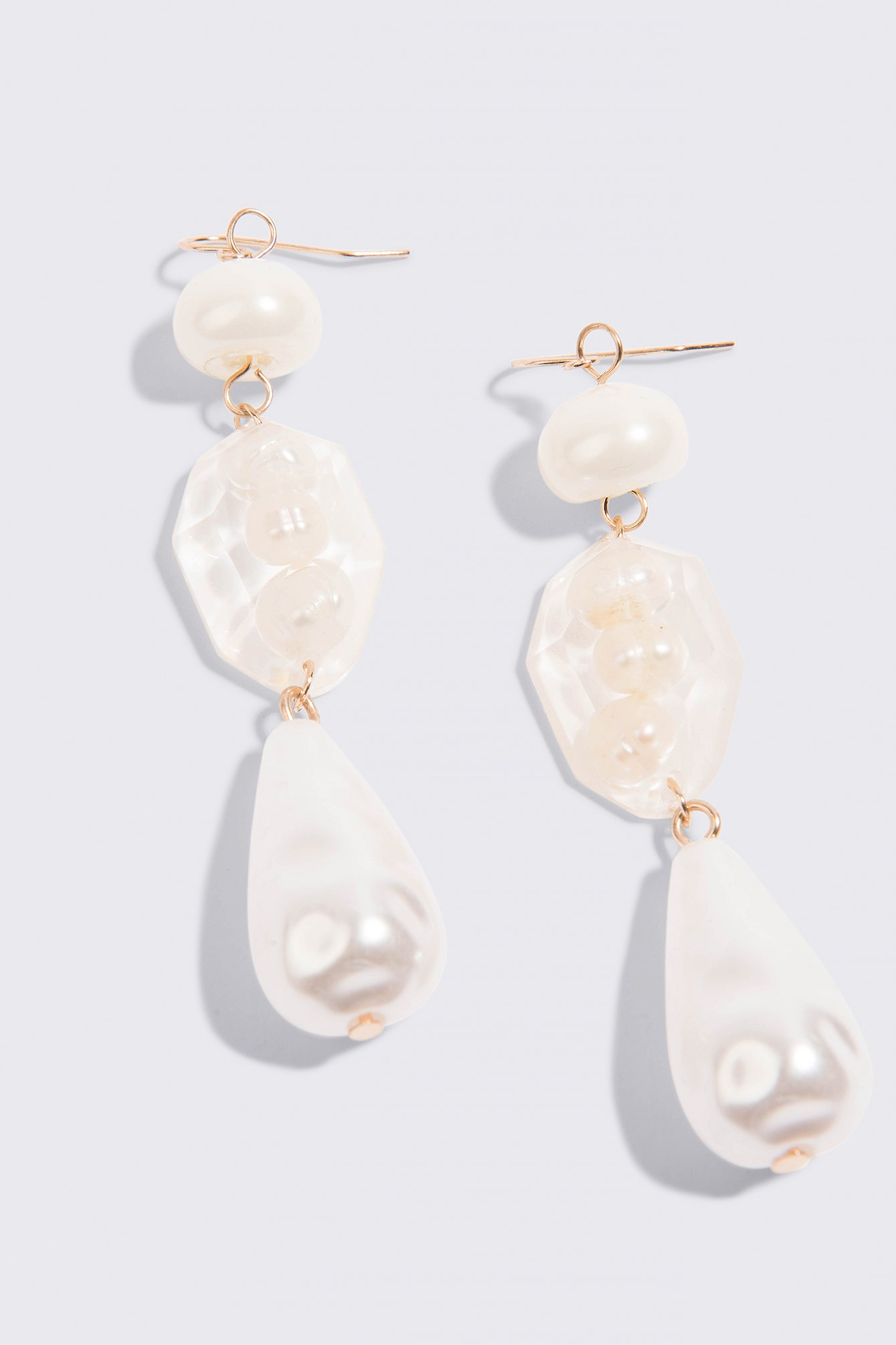 Pearl-Effect Crystal Earrings NA-KD.COM