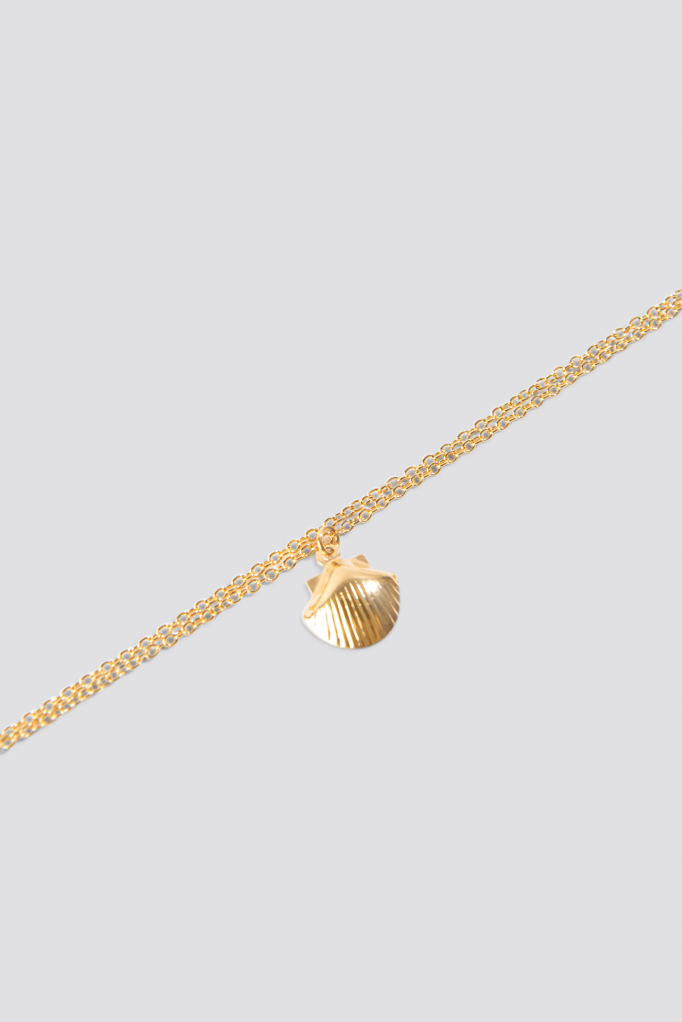 Gold Single Shell Bracelet
