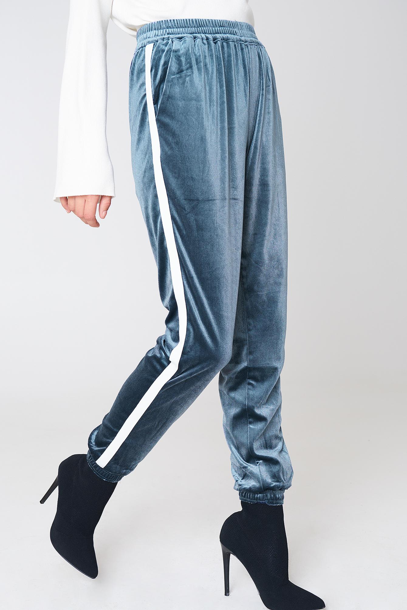 Spodnie Wilhelmina NA-KD.COM