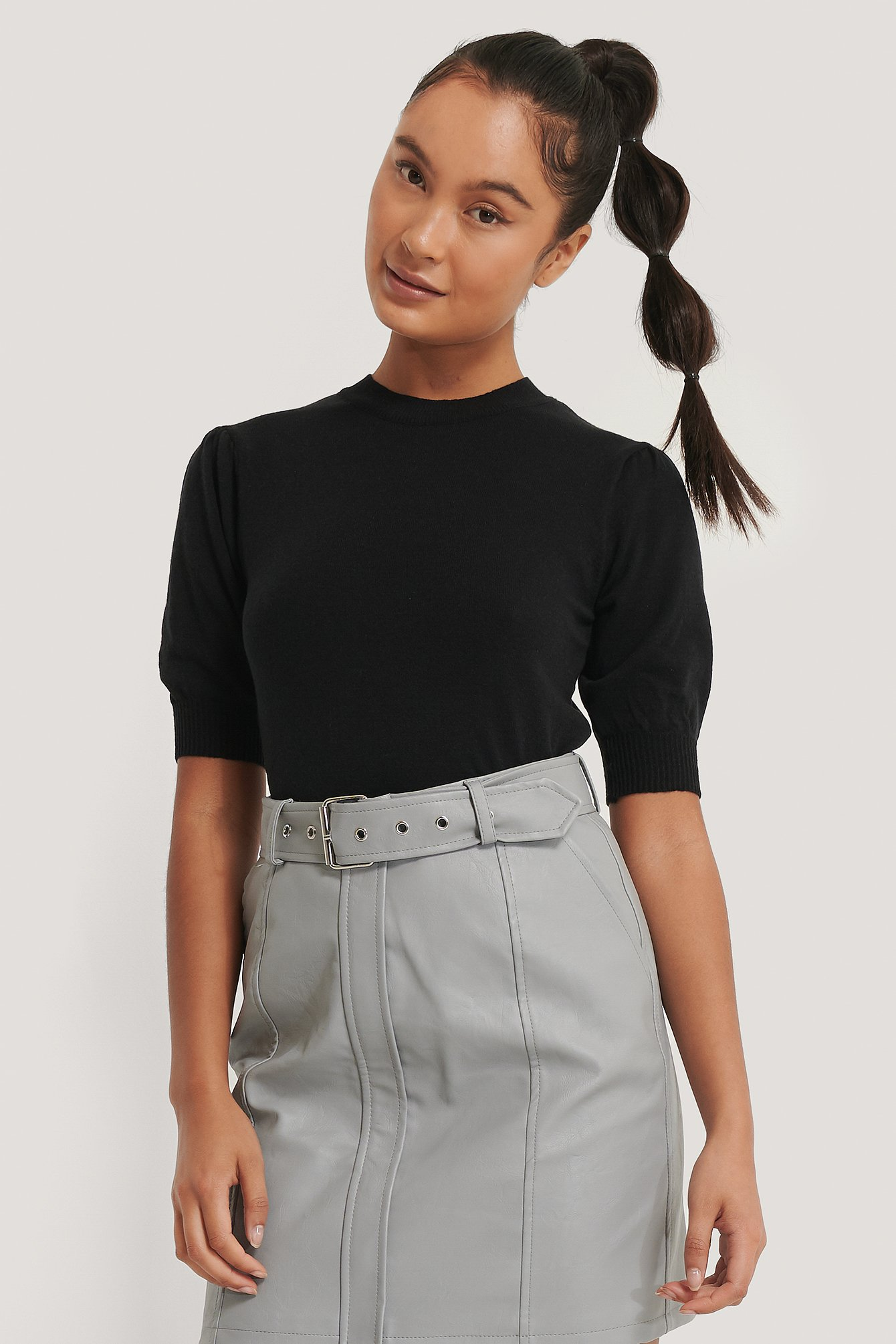 Black Short Sleeve Knitted Top