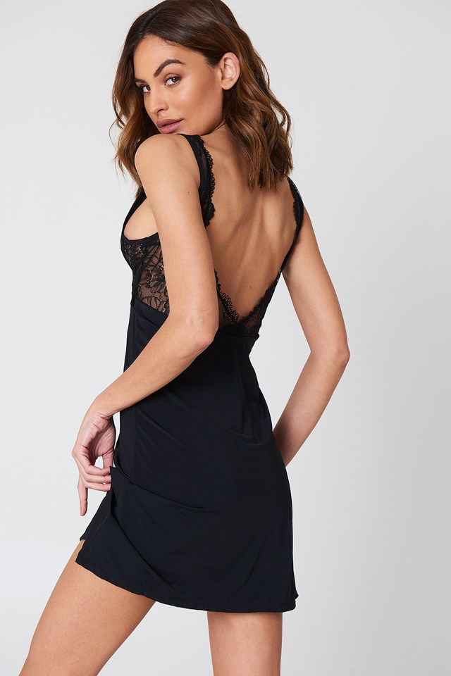Thara Dress Black