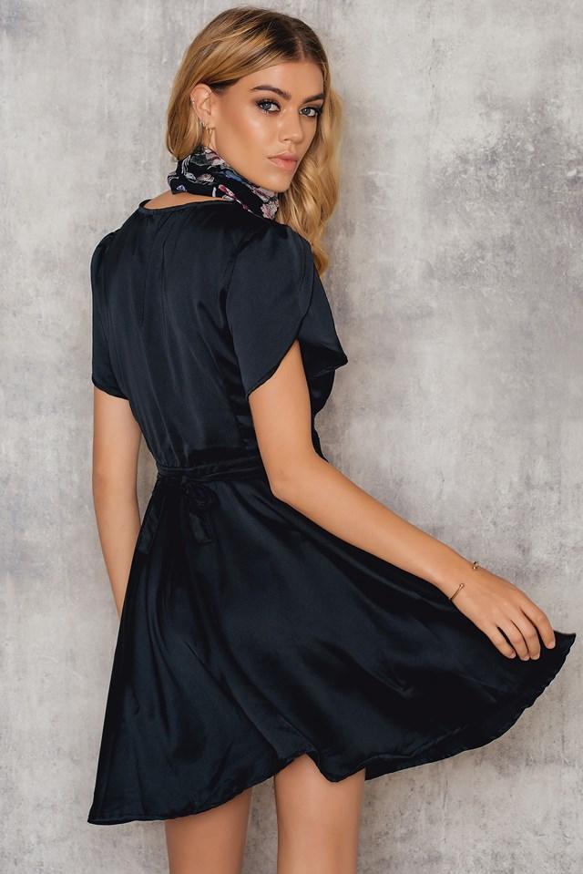 Avela Dress Black