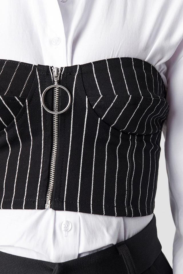 Zipshi Cropped Top Black Pinstripe
