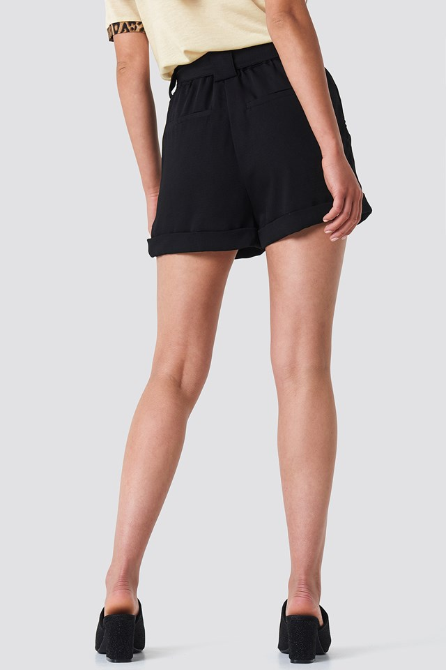 Ullah Shorts Black