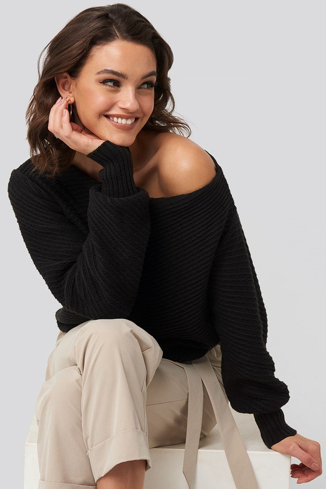 Slanting Shoulder Knitted Sweater Black