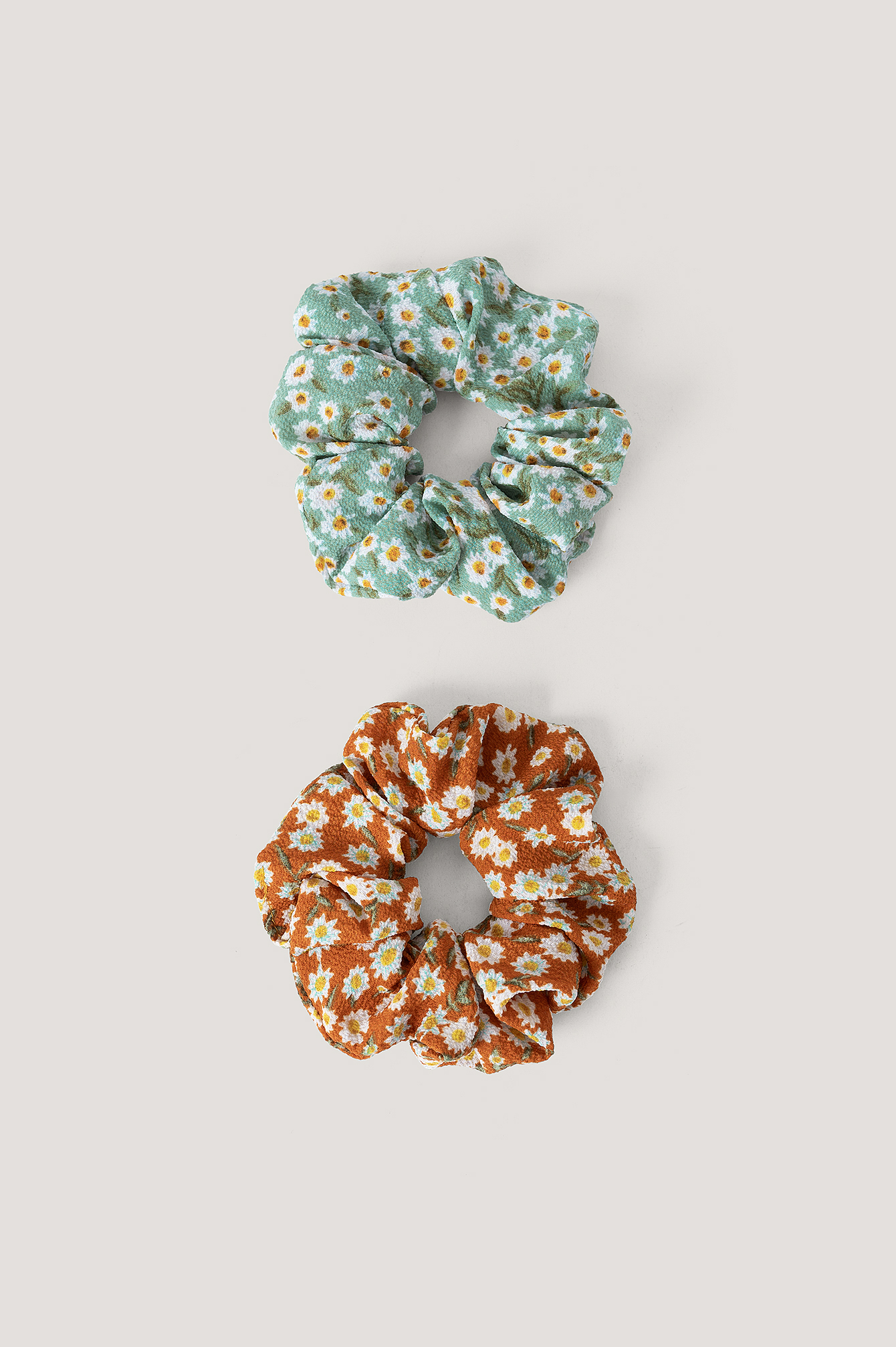 na-kd accessories -  2Er-Pack Haargummis Mit Blütendruck - Multicolor