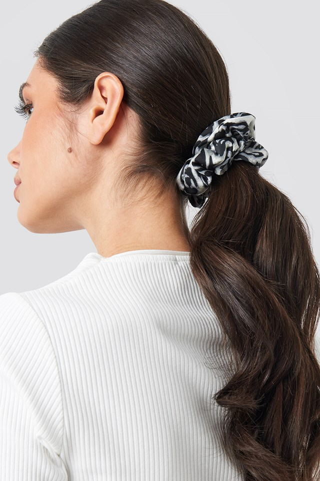 2-pack Coloured Leopard Scrunchies Mixed