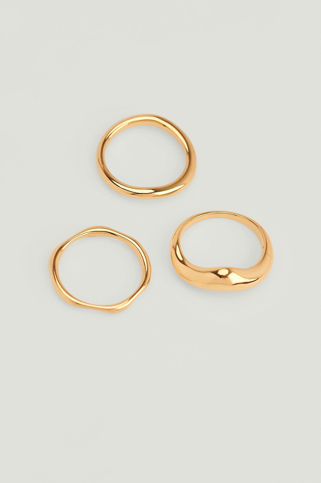 NA-KD Accessories Pakke Med 3 Ringe I Bølgeform Og Belagt Med 18 Karat Guld - Gold