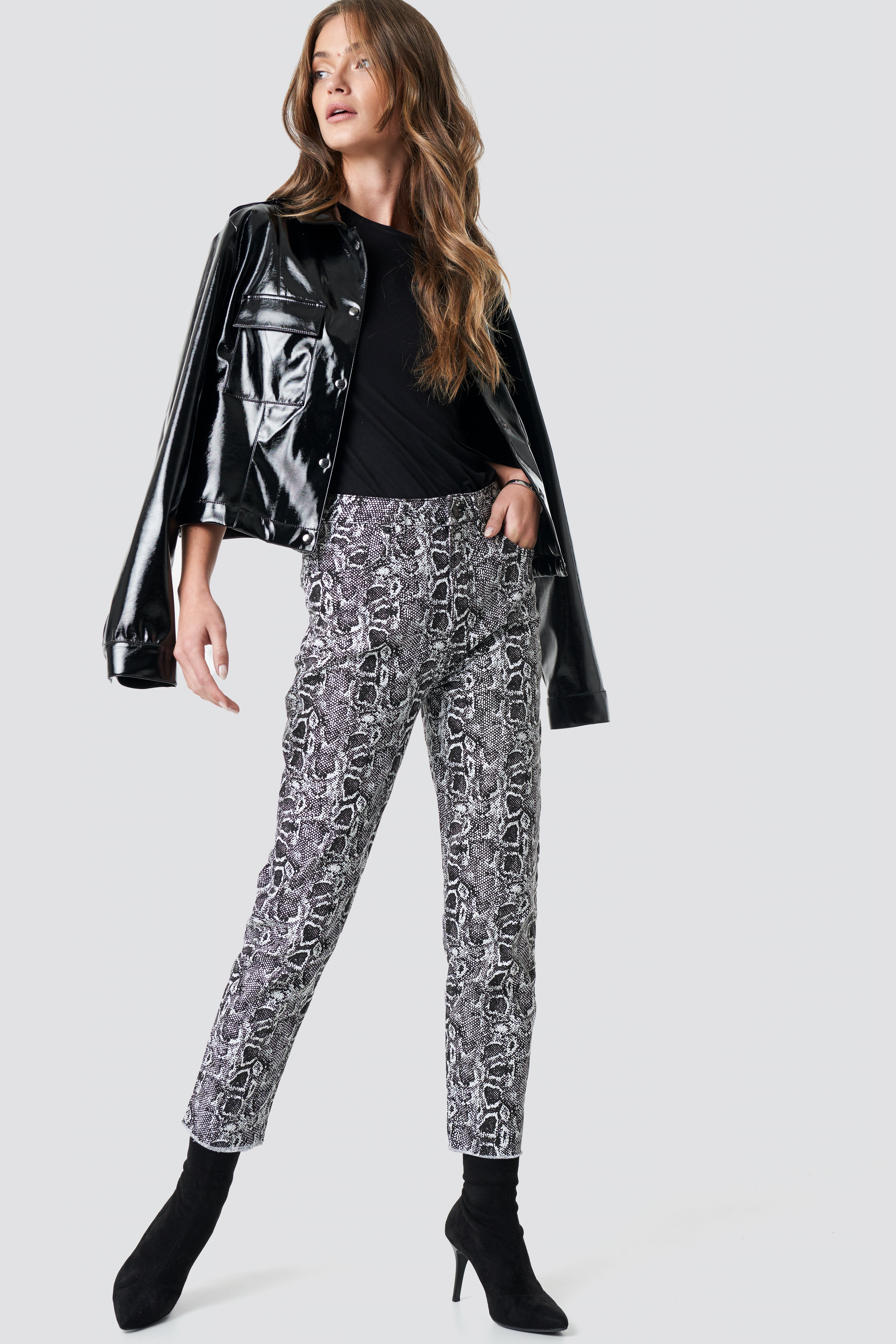 na-kd trend -  5 Pocket Snake Printed Pants - Multicolor
