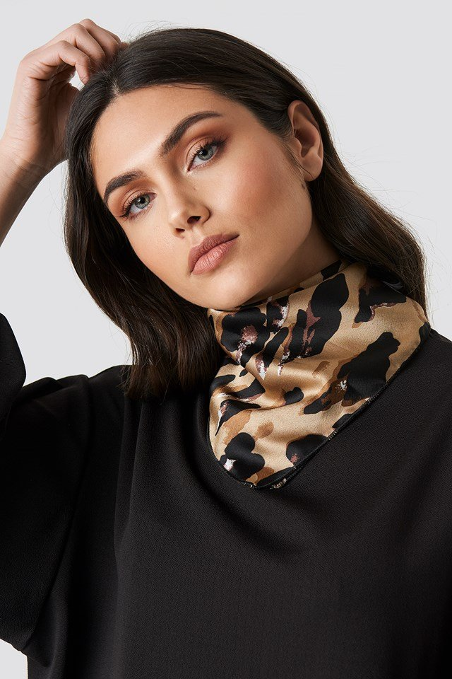 Abstract Leo Print Satin Scarf NA-KD Accessories