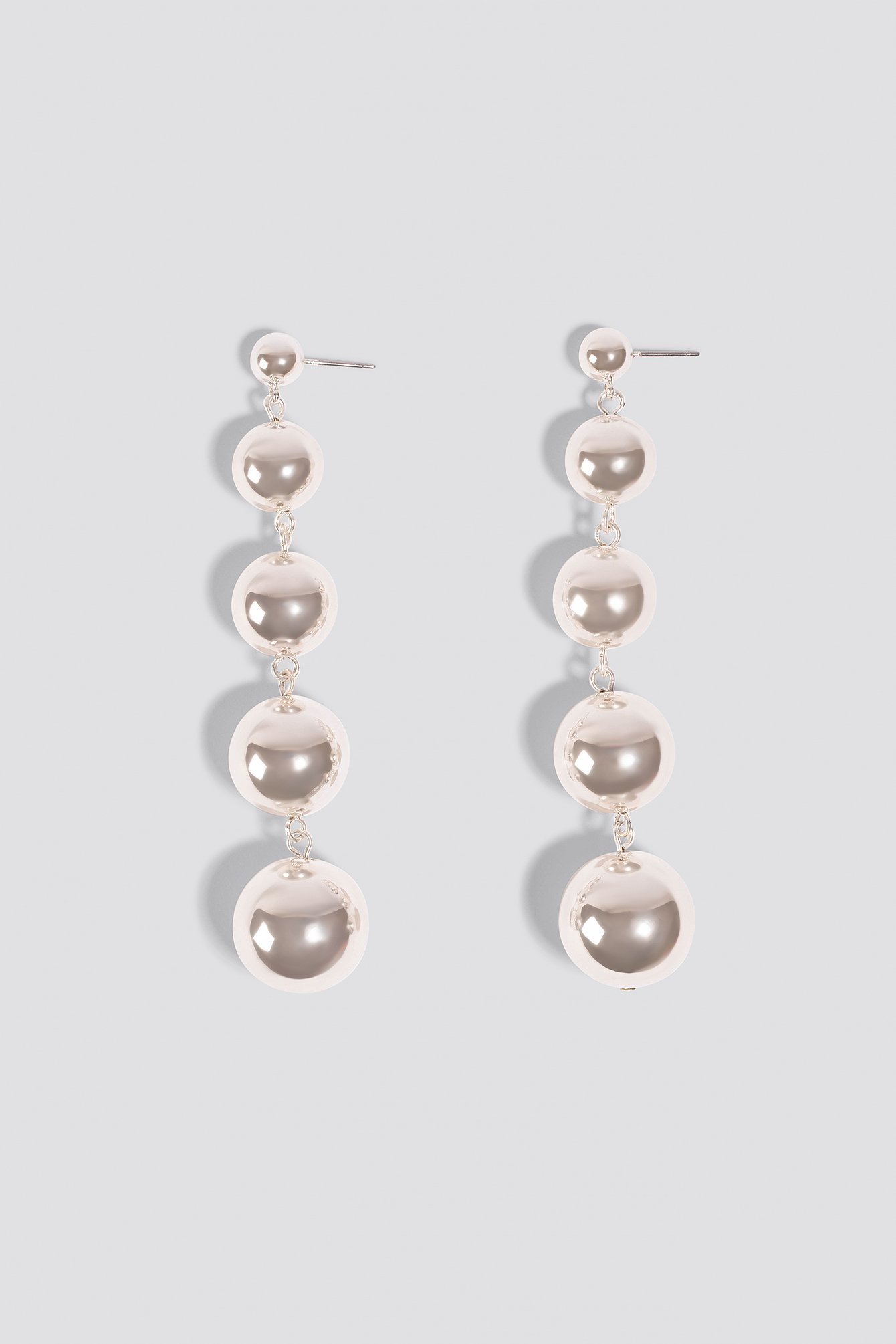 Hanging Pearls Earrings NA-KD.COM