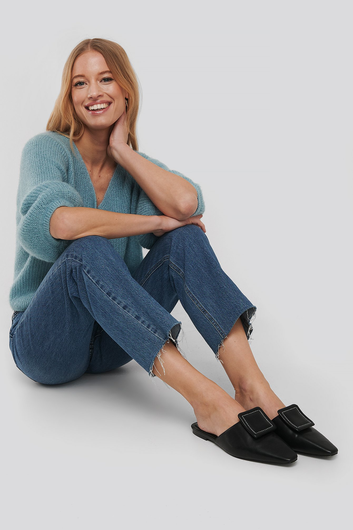 Black Application Detailed Slipper