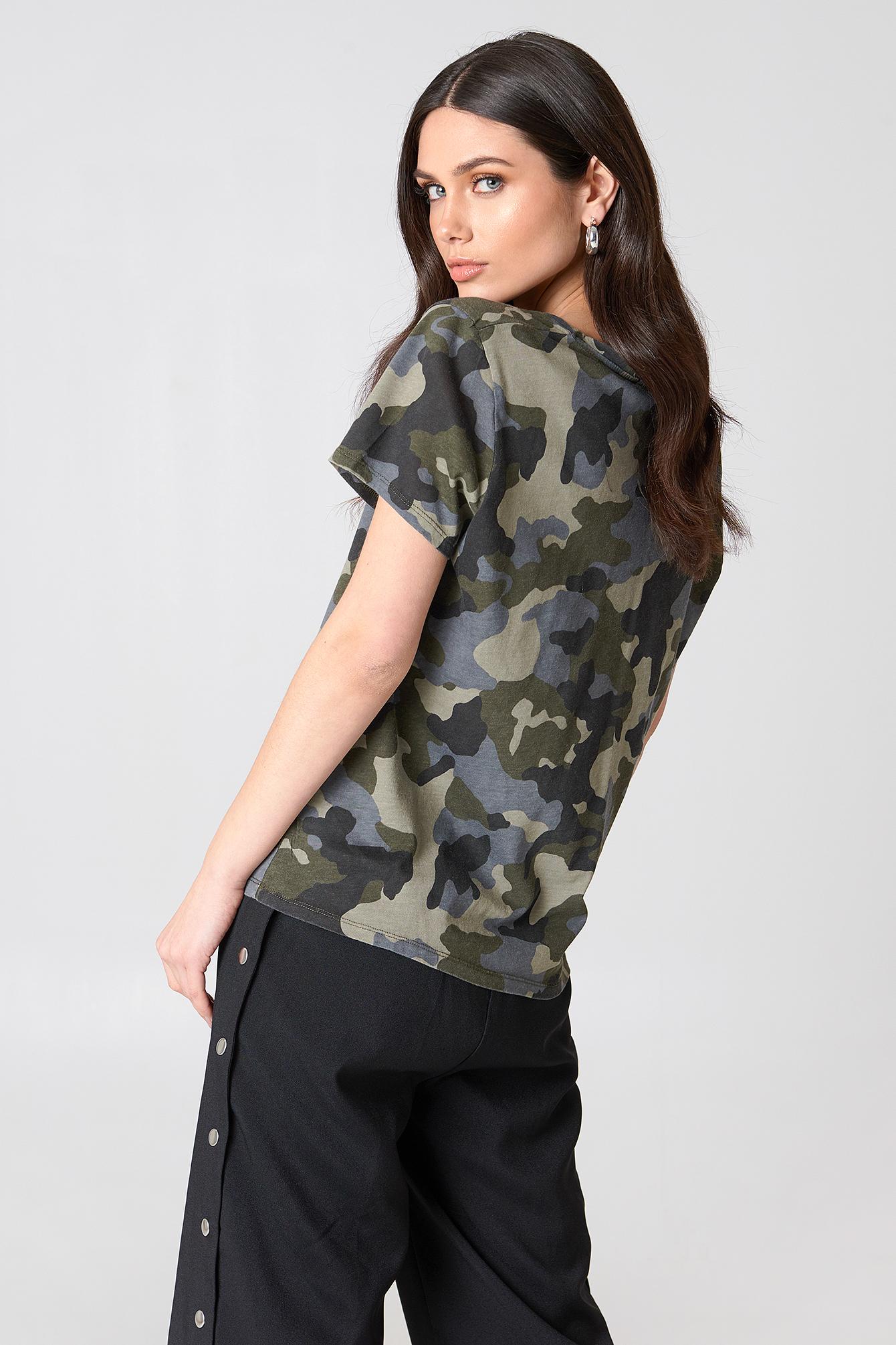 Army V-neck Tee NA-KD.COM